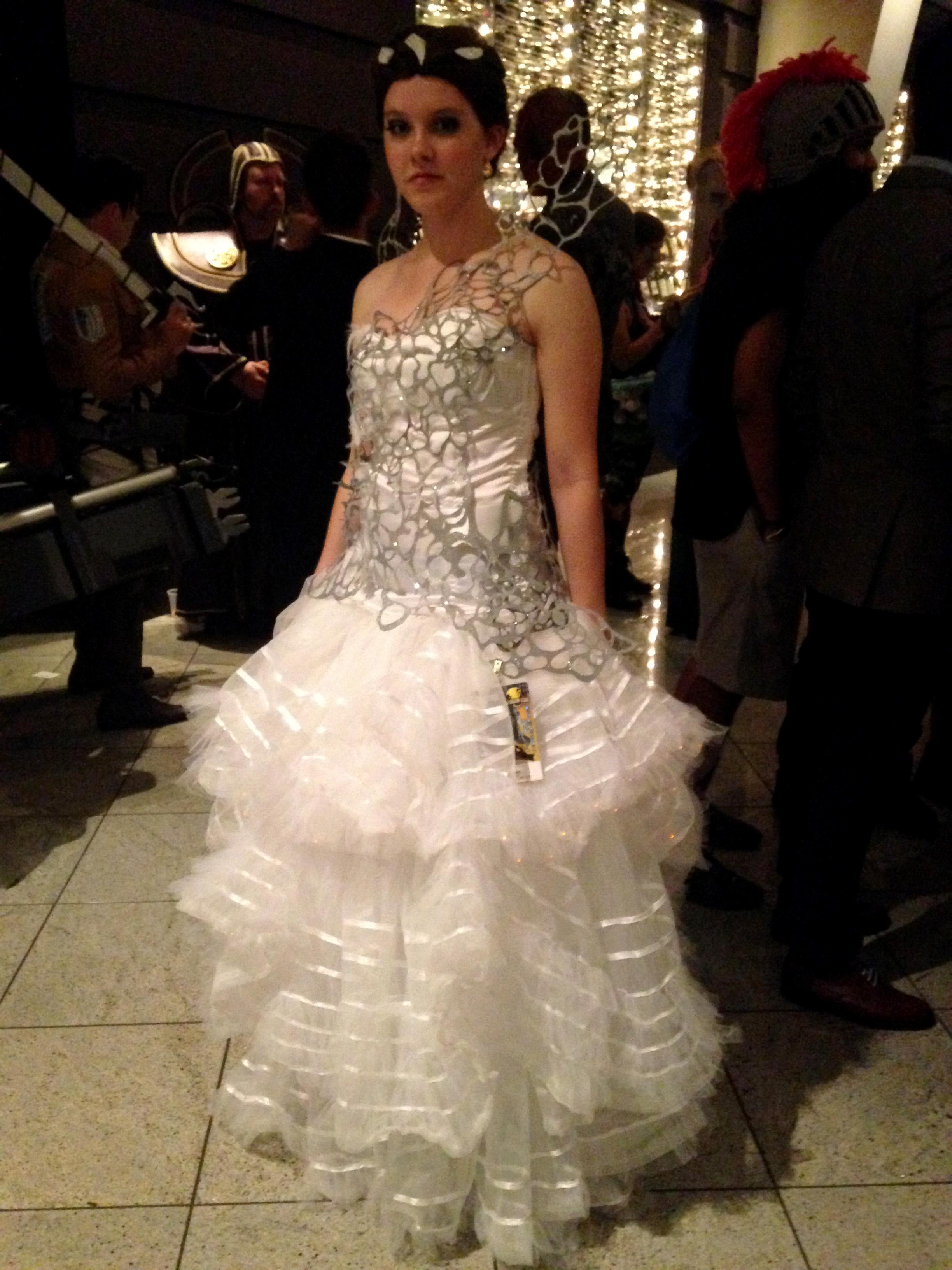 File2014 Dragon Con Cosplay Katniss Everdeen 15100854676g