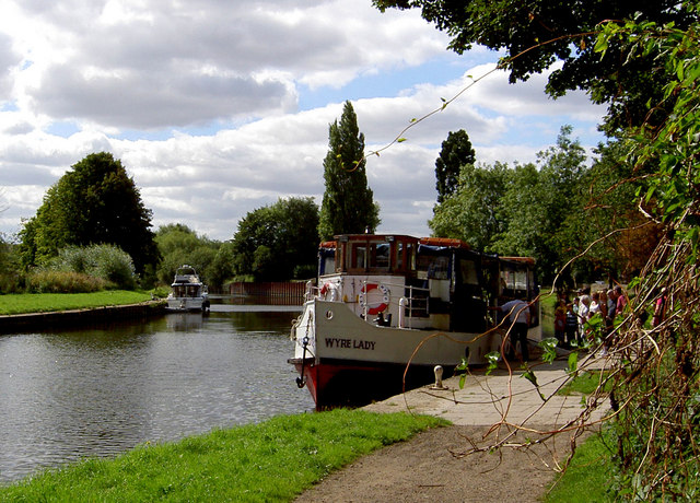 All aboard for cruise on the River Don. - geograph.org.uk - 536087