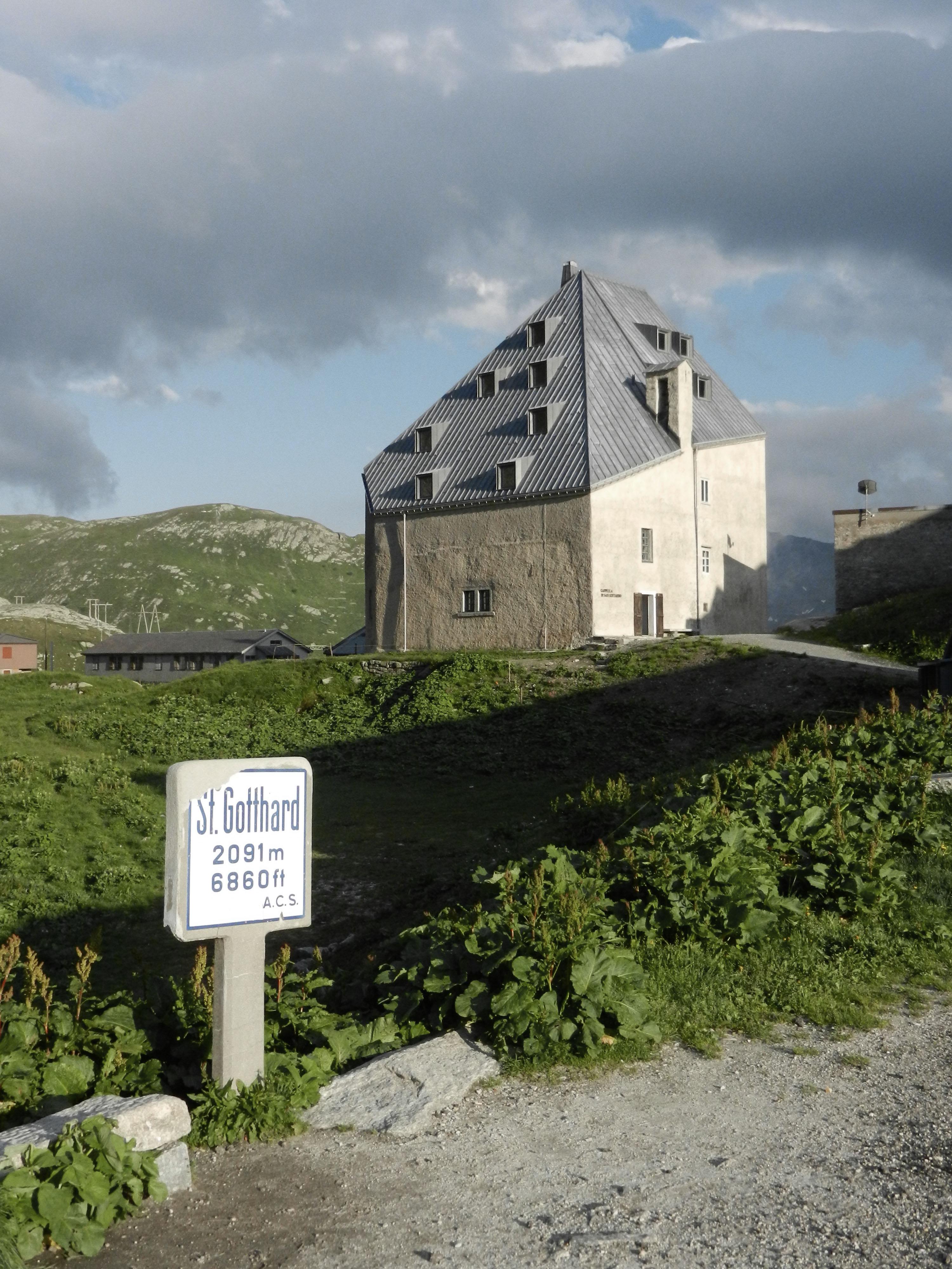 St Gotthard Hospiz file altes hospiz am gotthardpass nach dem umbau durch miller