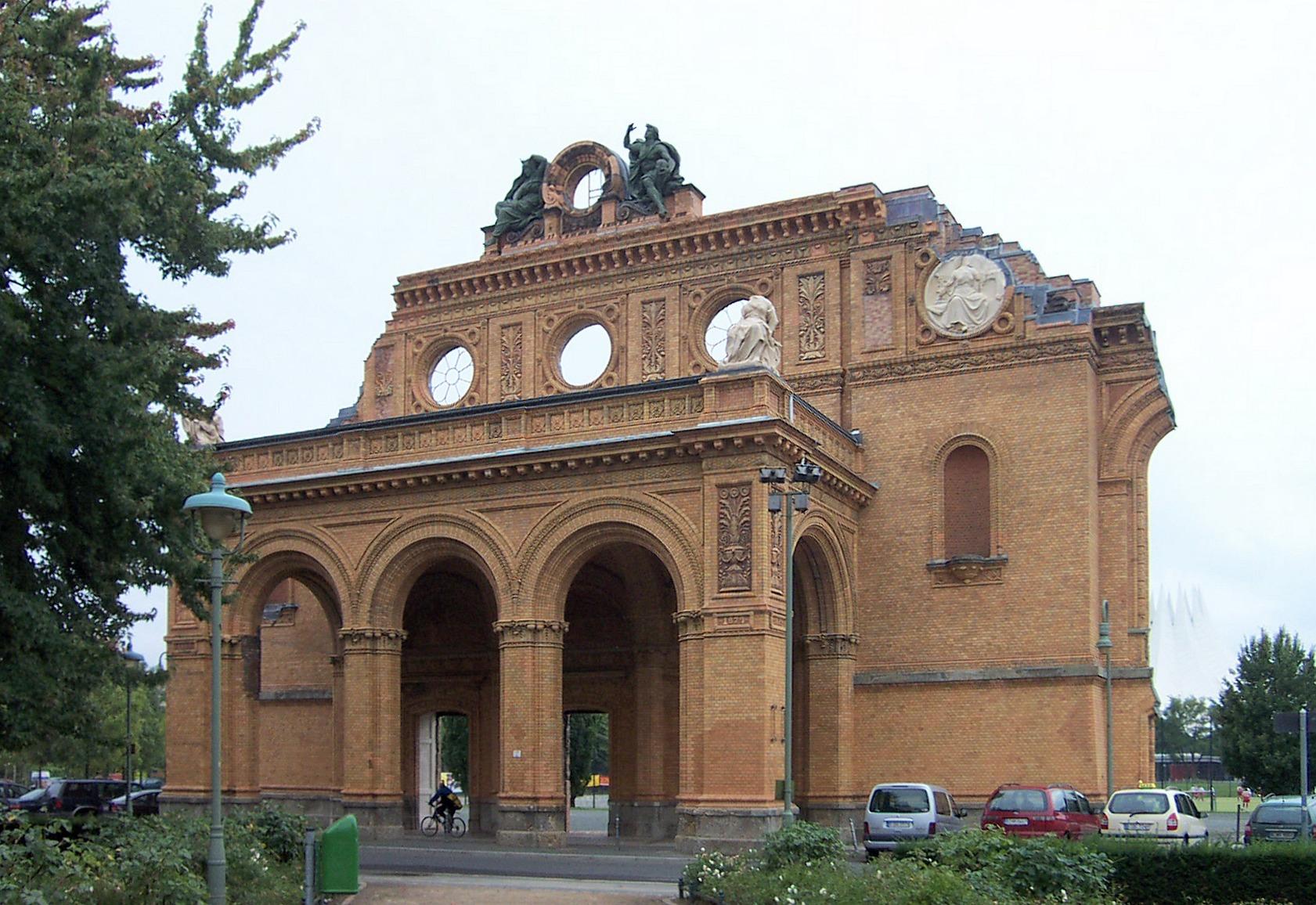 Anhalter Bahnhof 2005.jpg