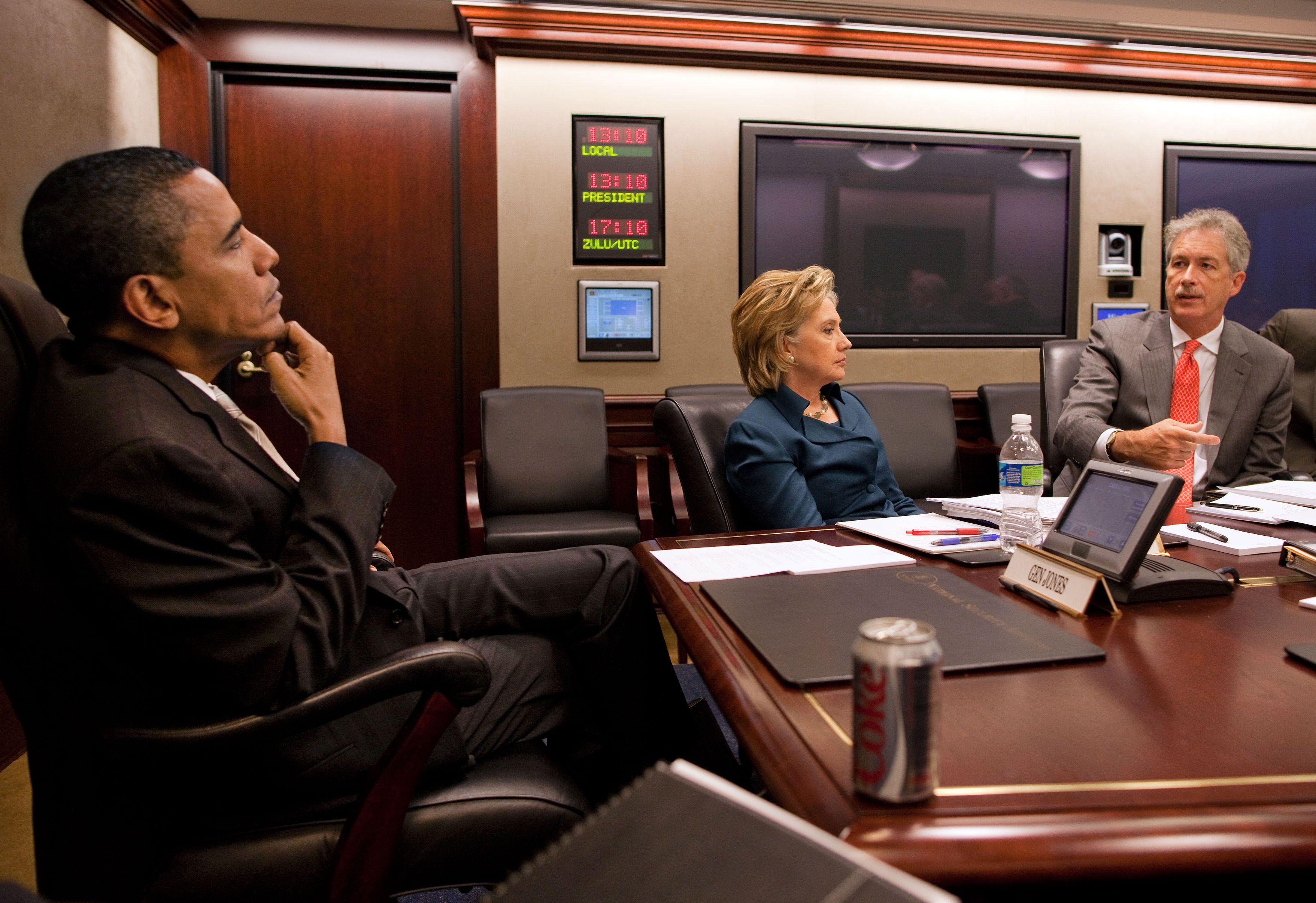 File:Barack Obama, Hillary Clinton and Bill Burns in the White House ...
