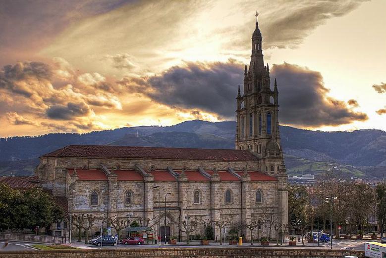 Archivo:Basilica de Begoña.jpg - Wikipedia, la enciclopedia libre