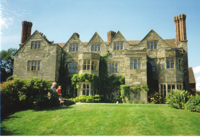 Benthall Hall - geograph.org.uk - 270859