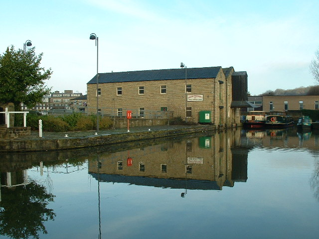 Brighouse Canal Basin - geograph.org.uk - 82624