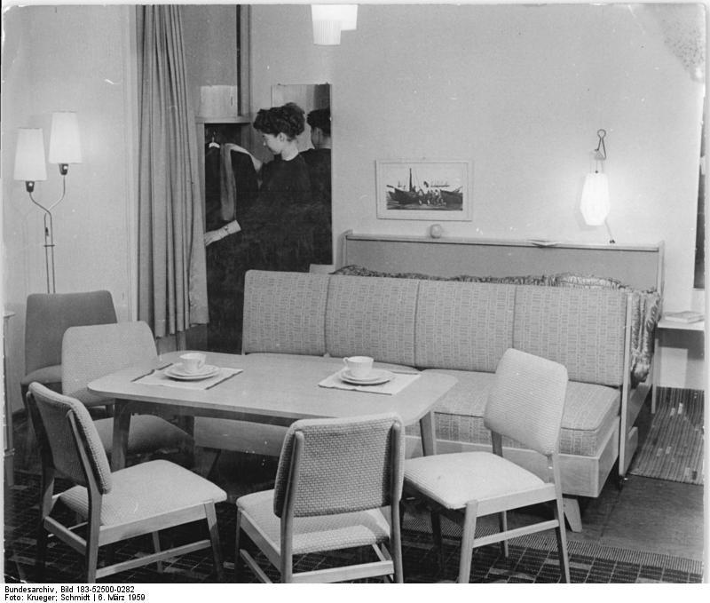 file bundesarchiv bild 183 52500 0282 wohn und. Black Bedroom Furniture Sets. Home Design Ideas