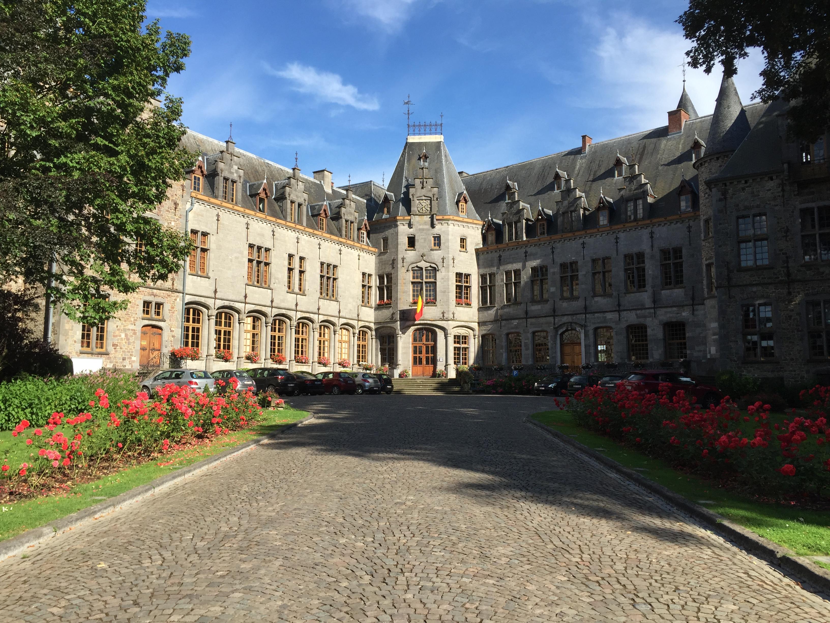 Château d'Ham-sur-Heure (Admi. Communale d'Ham-sur-Heure-Nalinnes) - Mini1300 Wikipedia