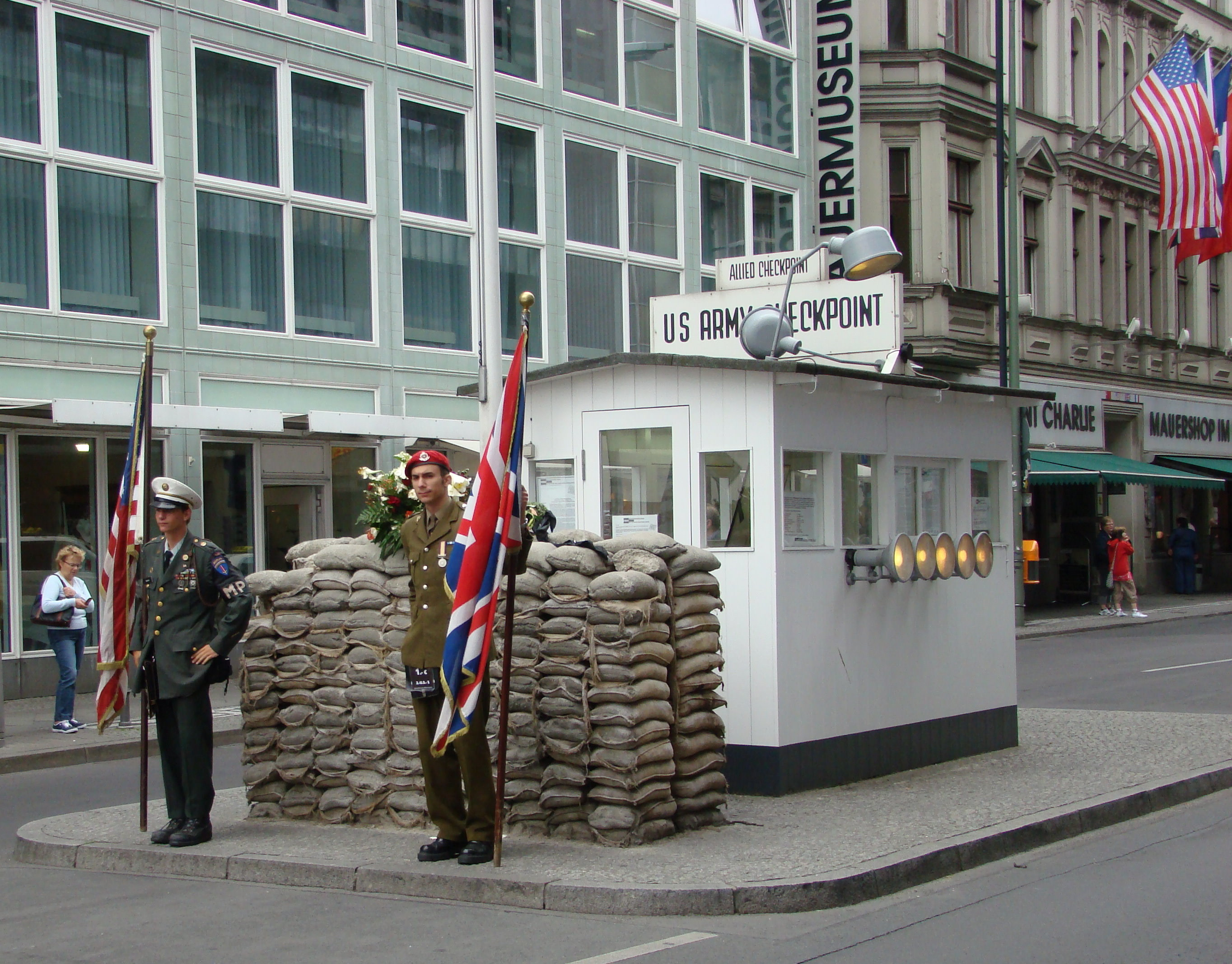 Checkpoint Charlie Berlin Hotel