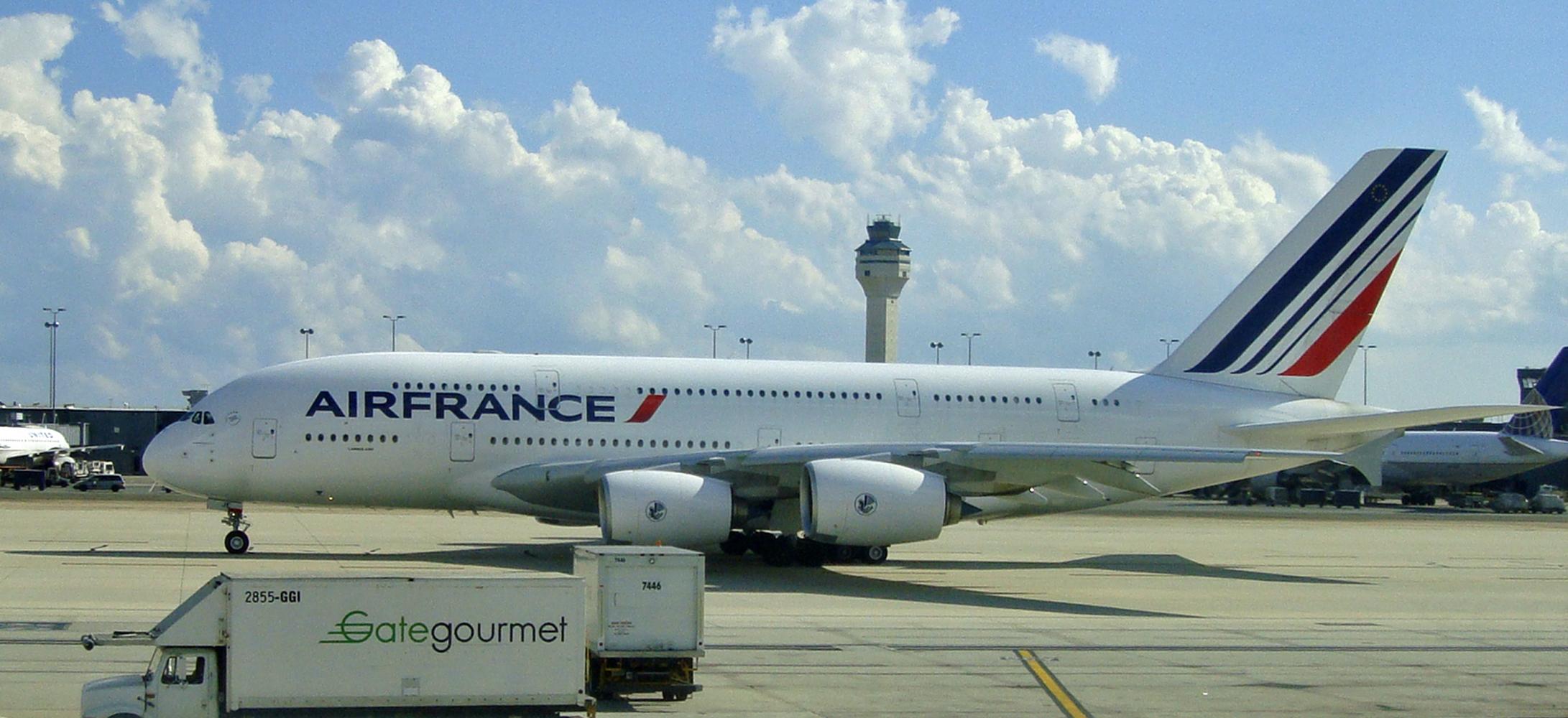 File:DC 08 2011 IAD Airbus 380 3193.jpg