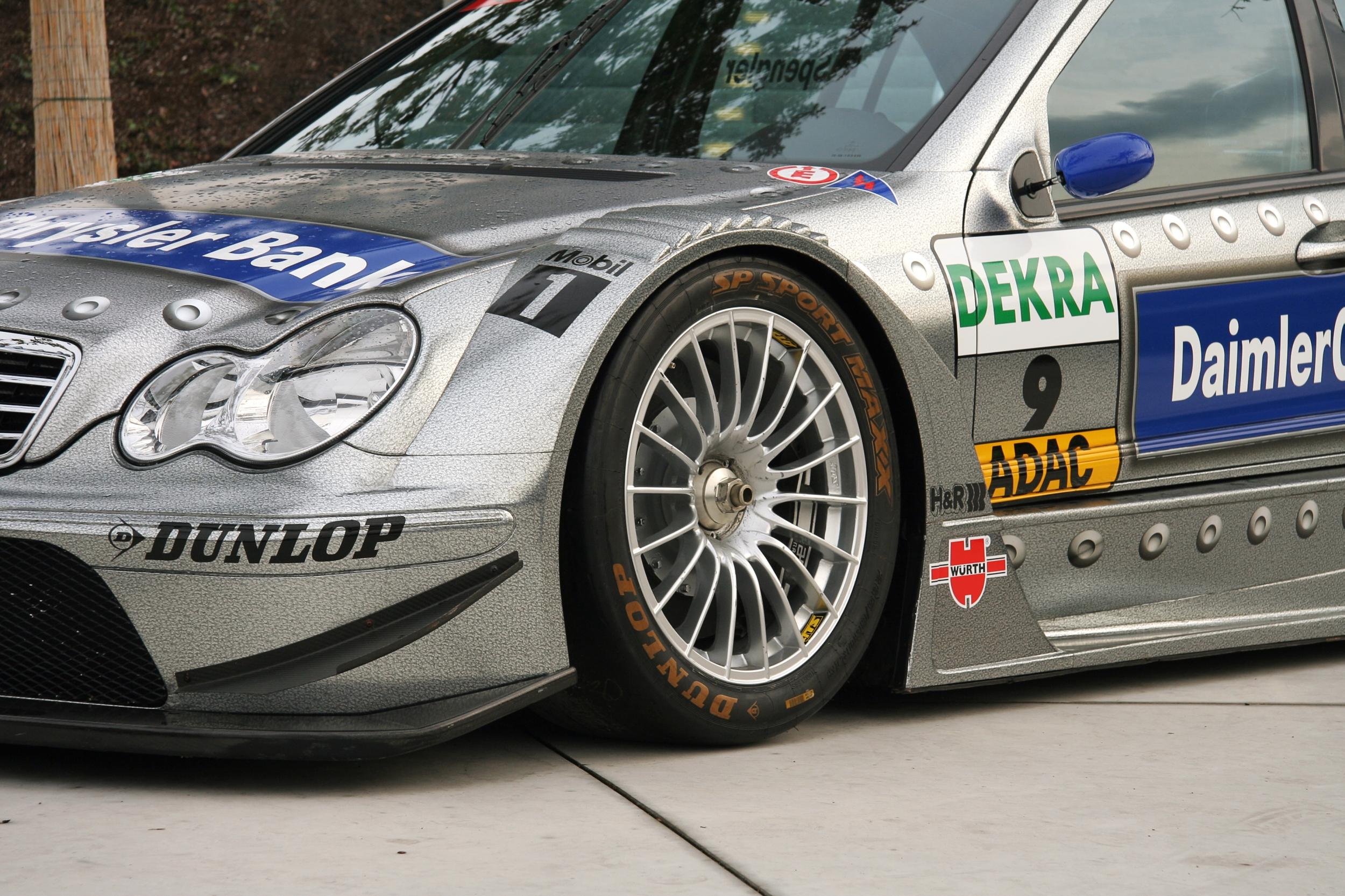 File Dtm Car Mercedes2006 Front Wheel 2 Jpg Wikimedia