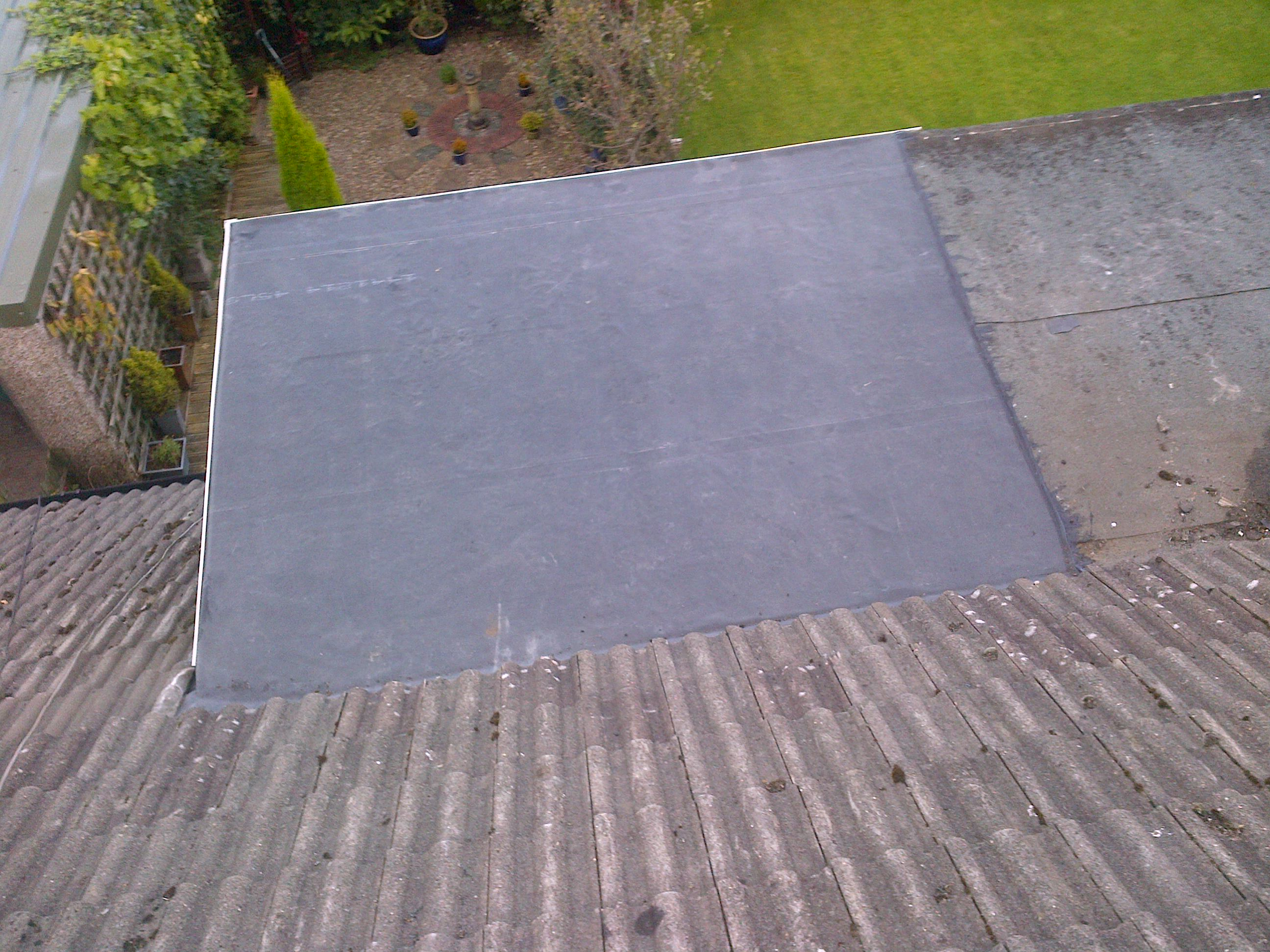 File:EPDM Rubber flat roof Halifax.jpg - Wikimedia Commons