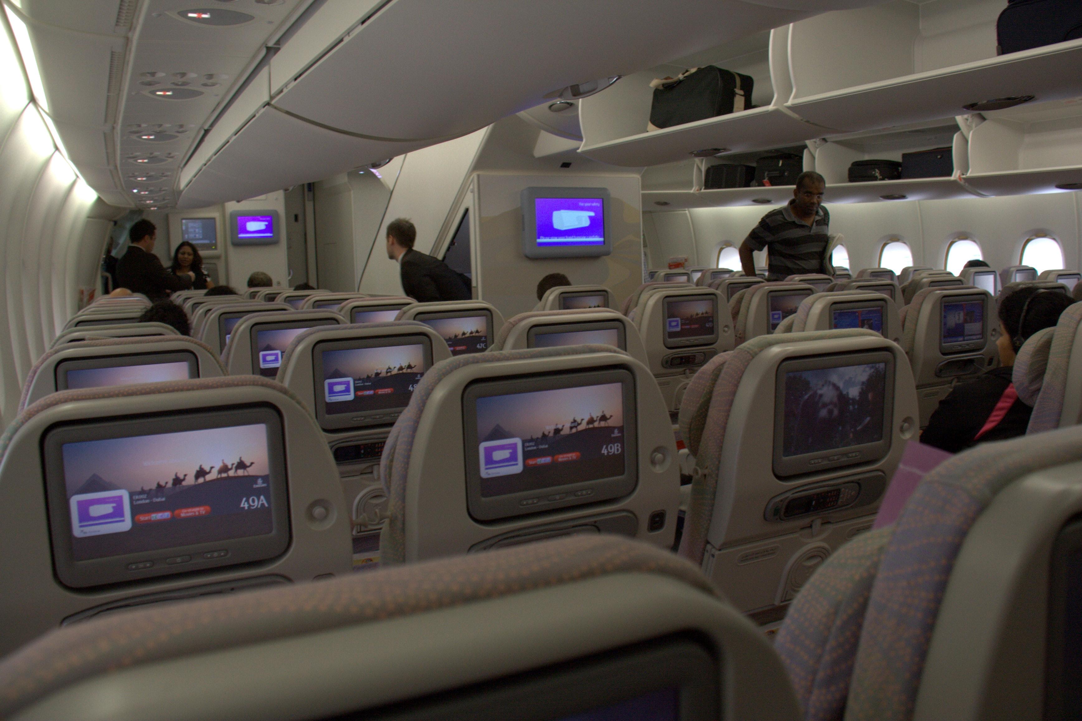 file emirates a 380