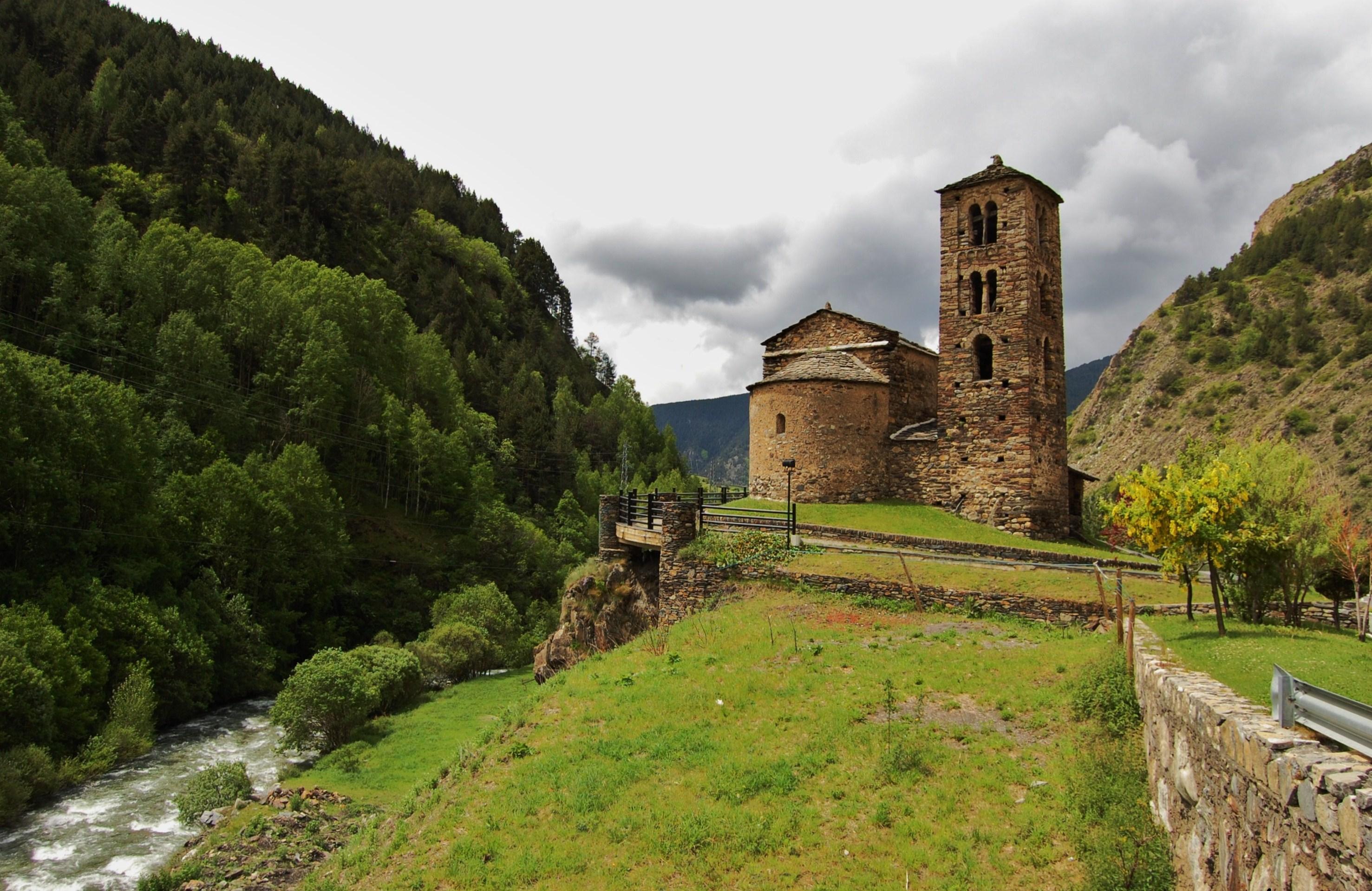 Església de Sant Joan de Caselles