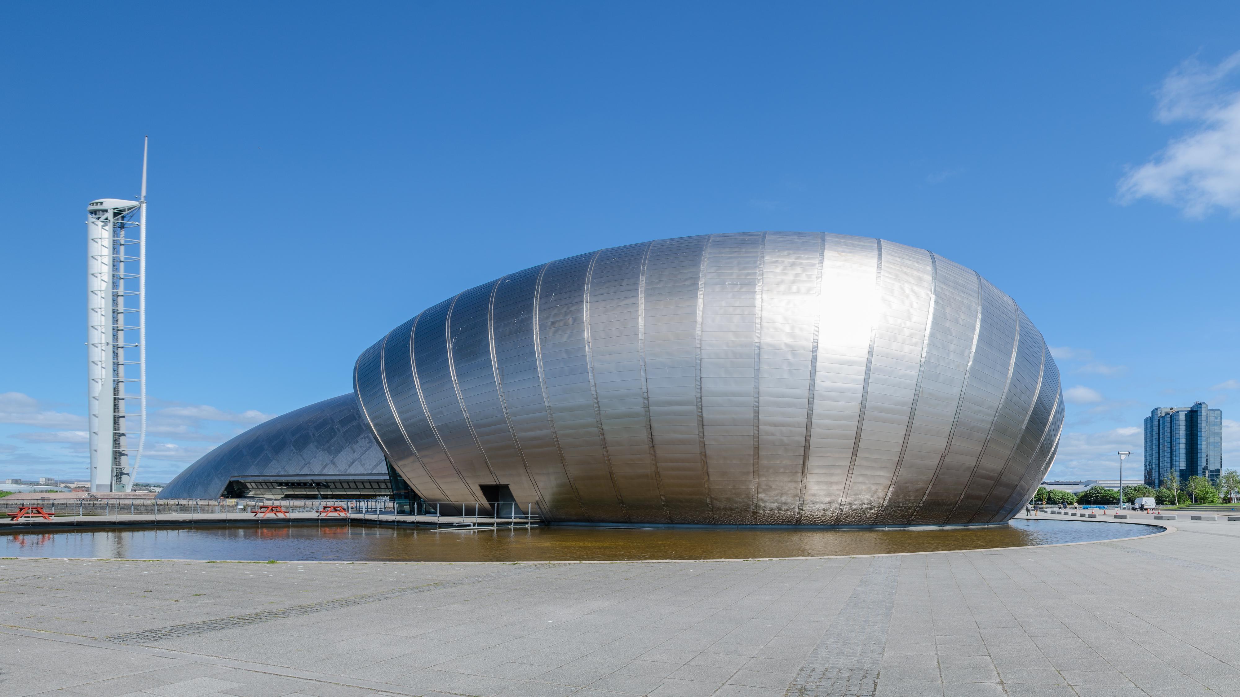 Bezienswaardigheden Schotland Top 10 - Nr 6 Glasgow Science Centre and Tower.jpg