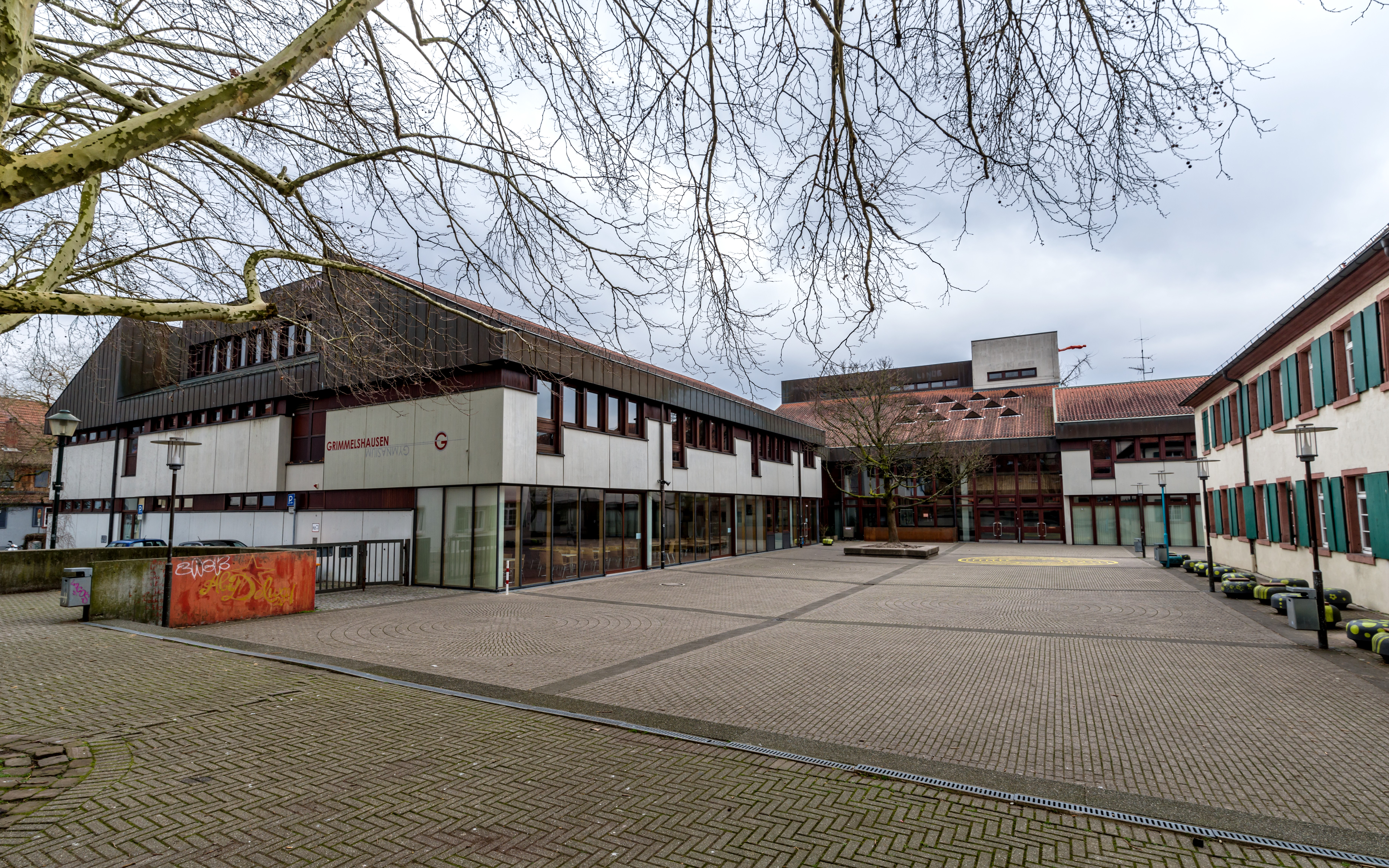Datei:Grimmelshausen-Gymnasium (Offenburg) jm60635.jpg ...