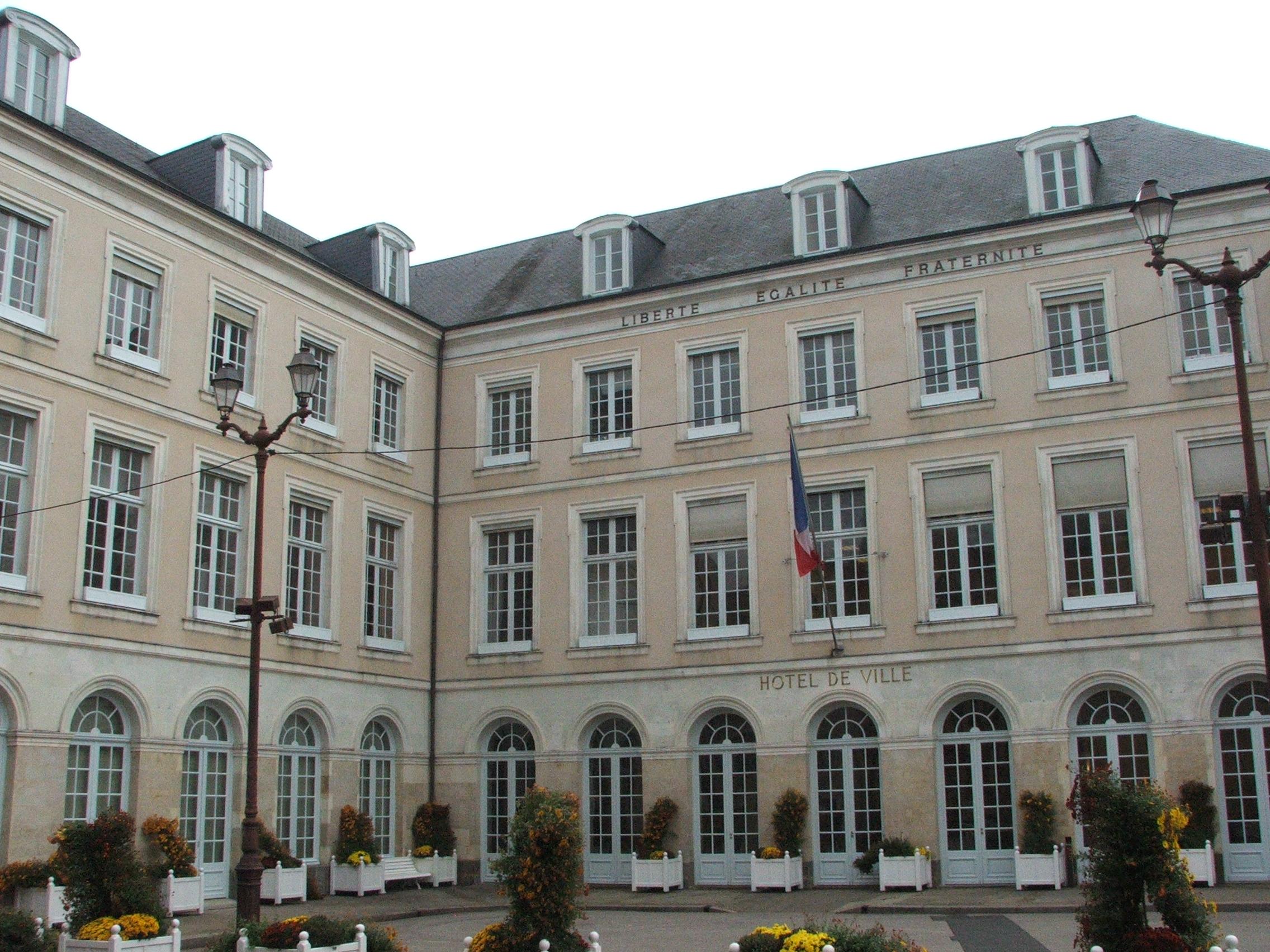 Hotel De Ville Le Mans