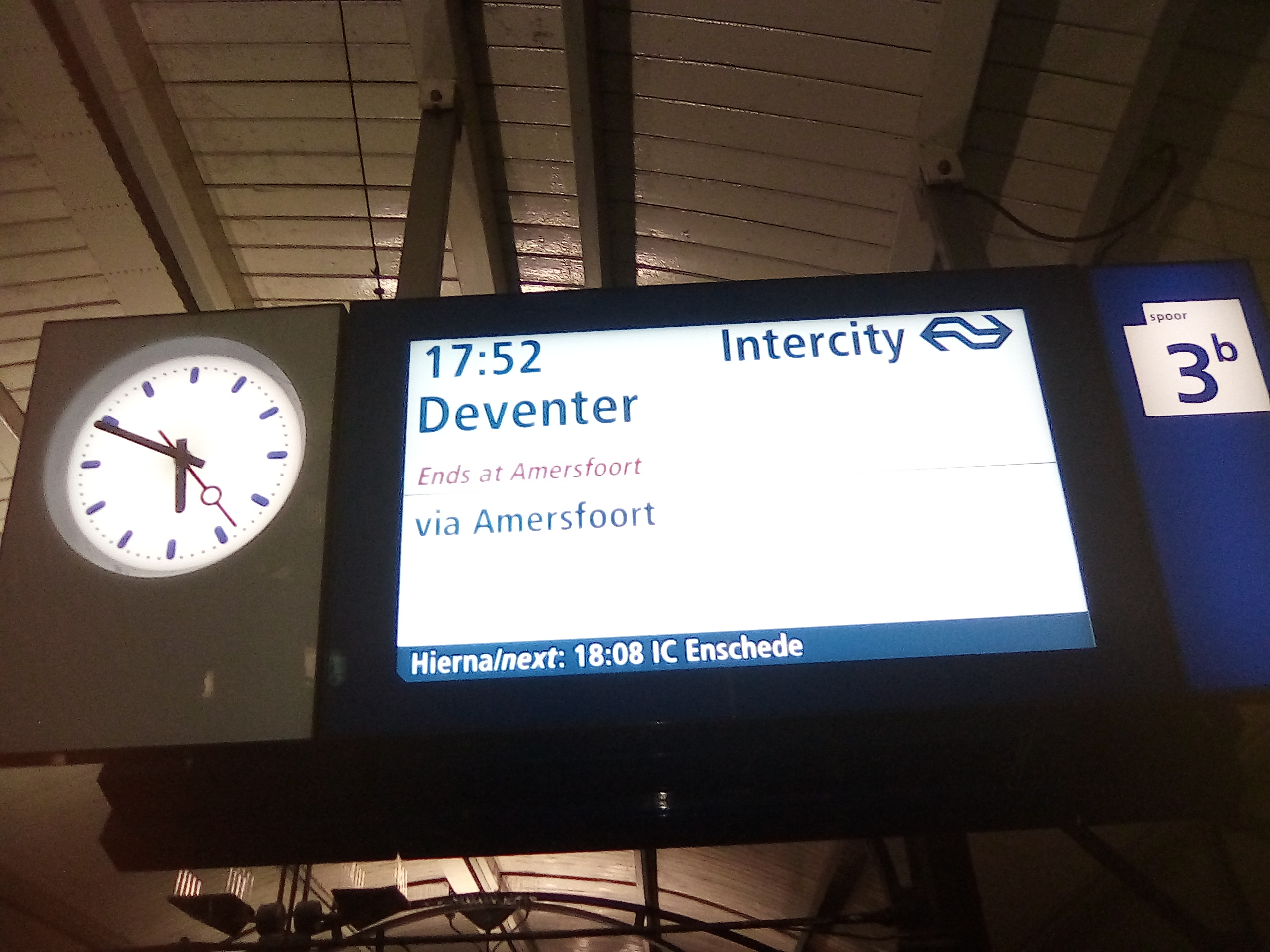Passenger information system - Wikipedia