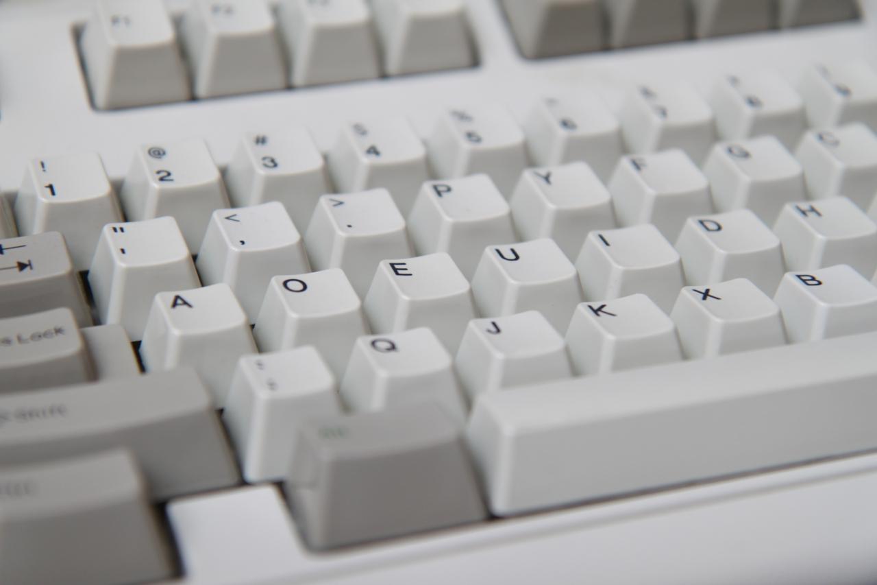 IBM Model M keyboard in Dvorak 4039885305 b39e208374 o.jpg