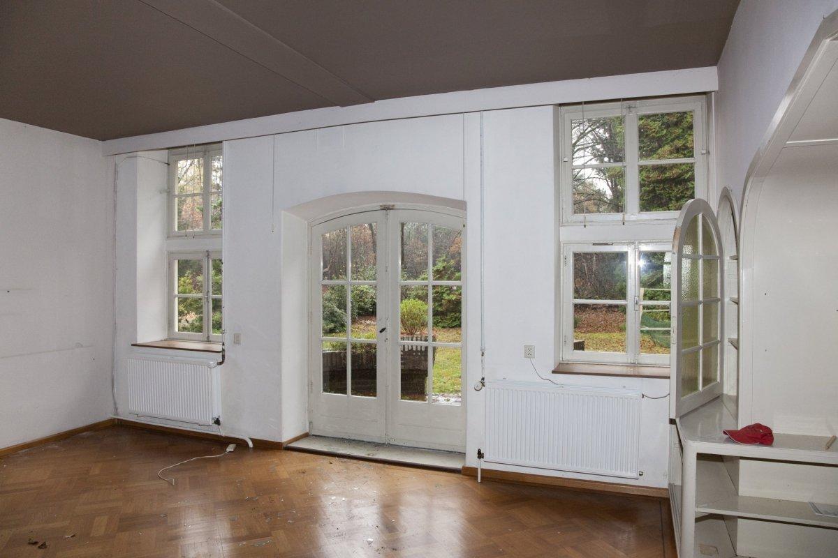 File interieur kamer op de begane gond met zicht op for Kamer interieur