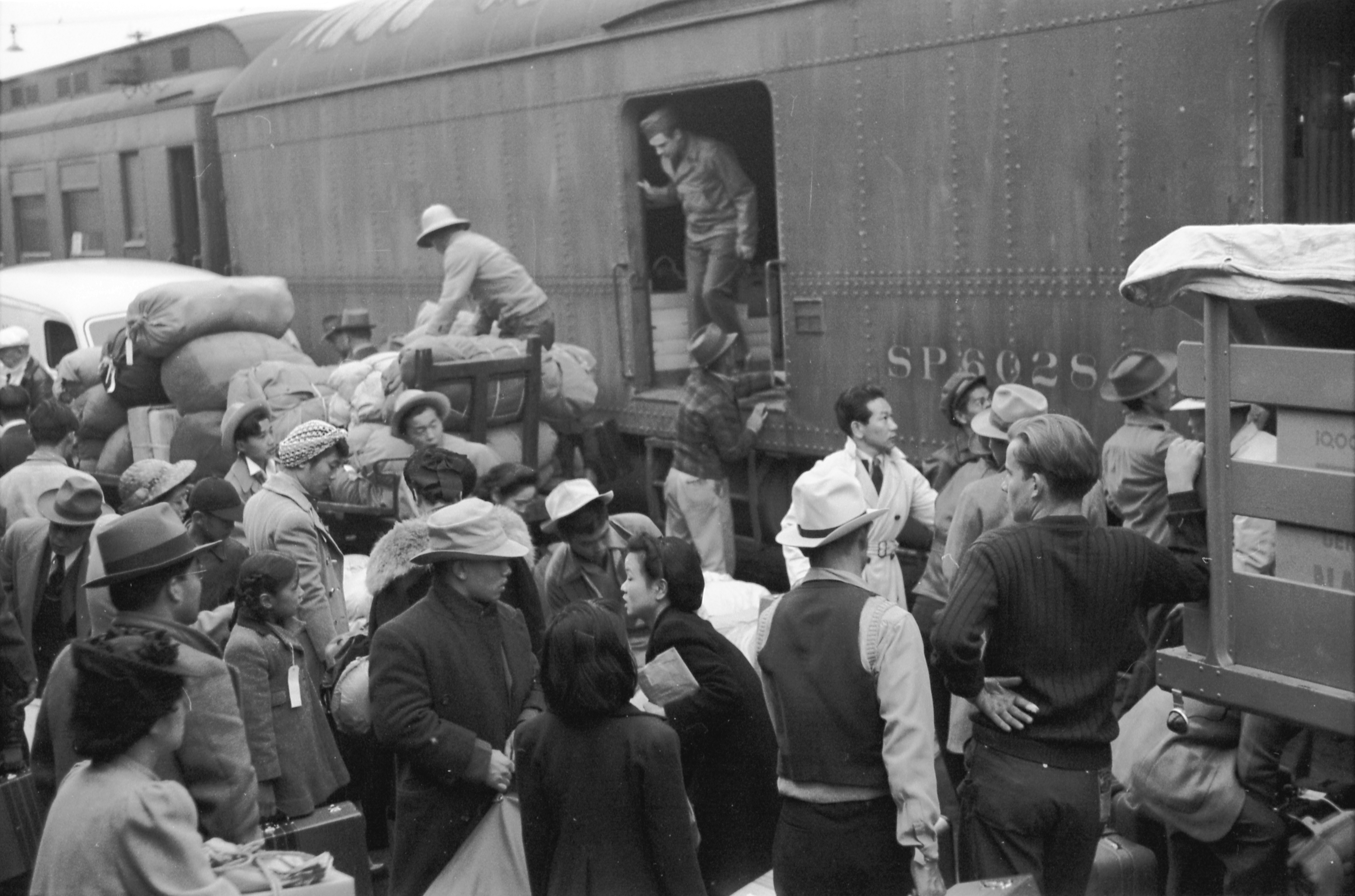 holocaust the japanese american internment Wwii internment timeline august 18, 1941 in a letter to president roosevelt, representative john dingell of michigan suggests incarcerating 10,000 hawaiian japanese americans as hostages to.
