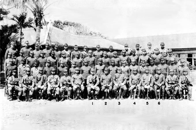 於 1945 年在沖繩島指揮作戰的日軍第 32 軍。