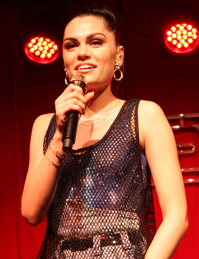 The 30-year old daughter of father Stephen Cornish and mother Rose Cornish Jessie J in 2018 photo. Jessie J earned a  million dollar salary - leaving the net worth at 7.5 million in 2018