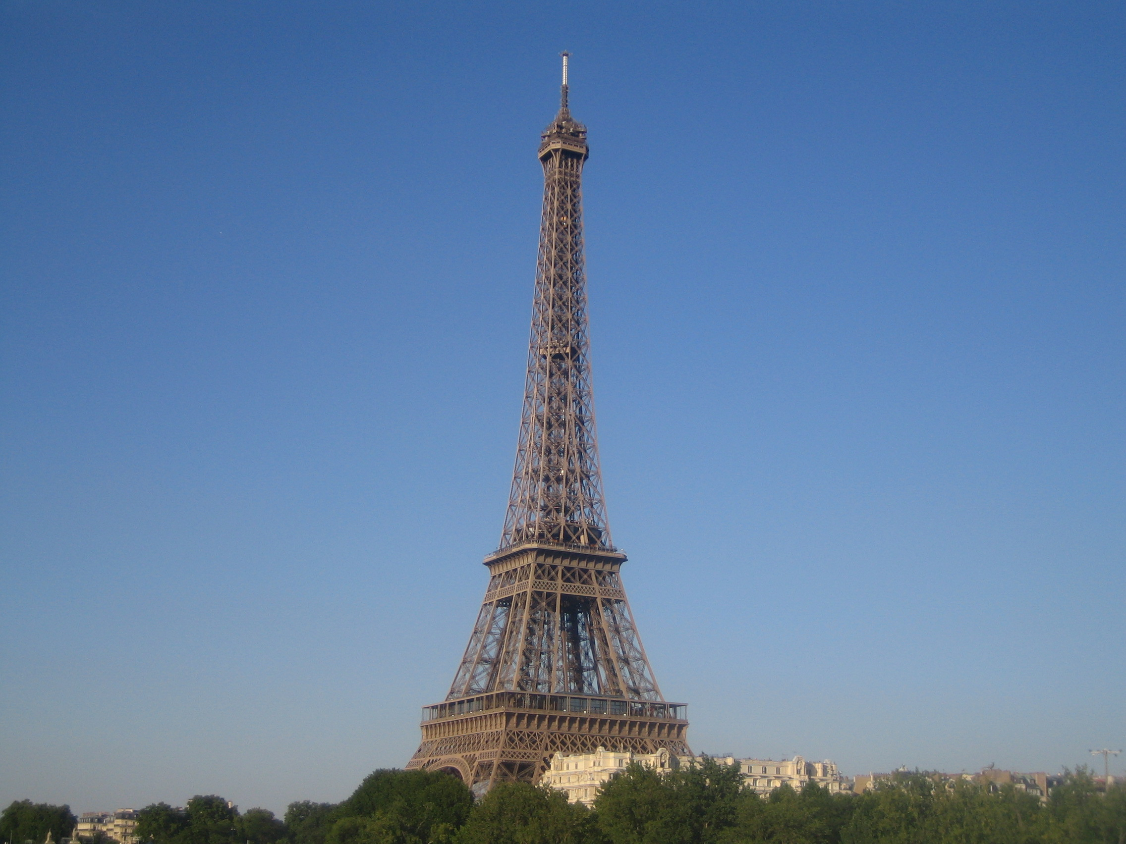 File jielbeaumadier tour eiffel paris wikimedia commons - Tour eiffel dimension ...