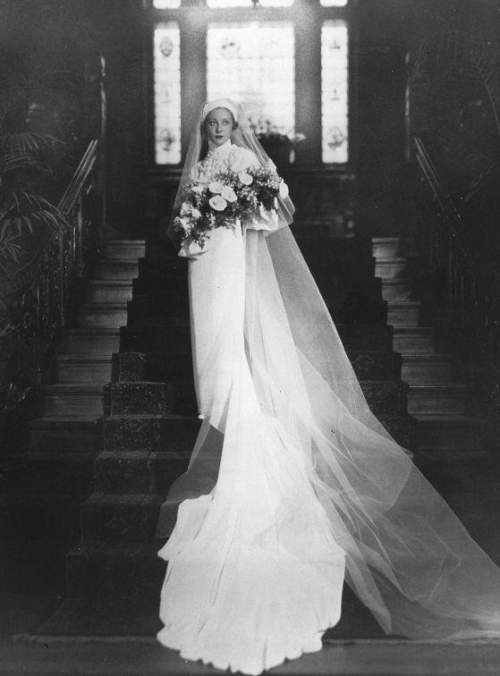Joy McGibbon (Mrs. Henri G. Lafleur), Charles Hosmer house, Montreal, QC, about 1935.jpg