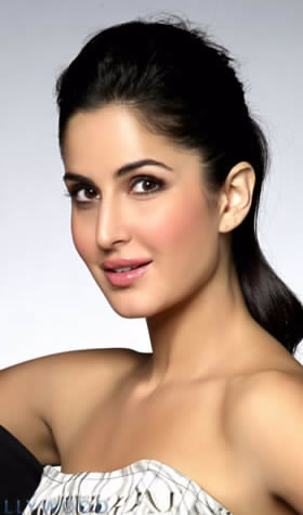 English: Autograph of Katrina Kaif