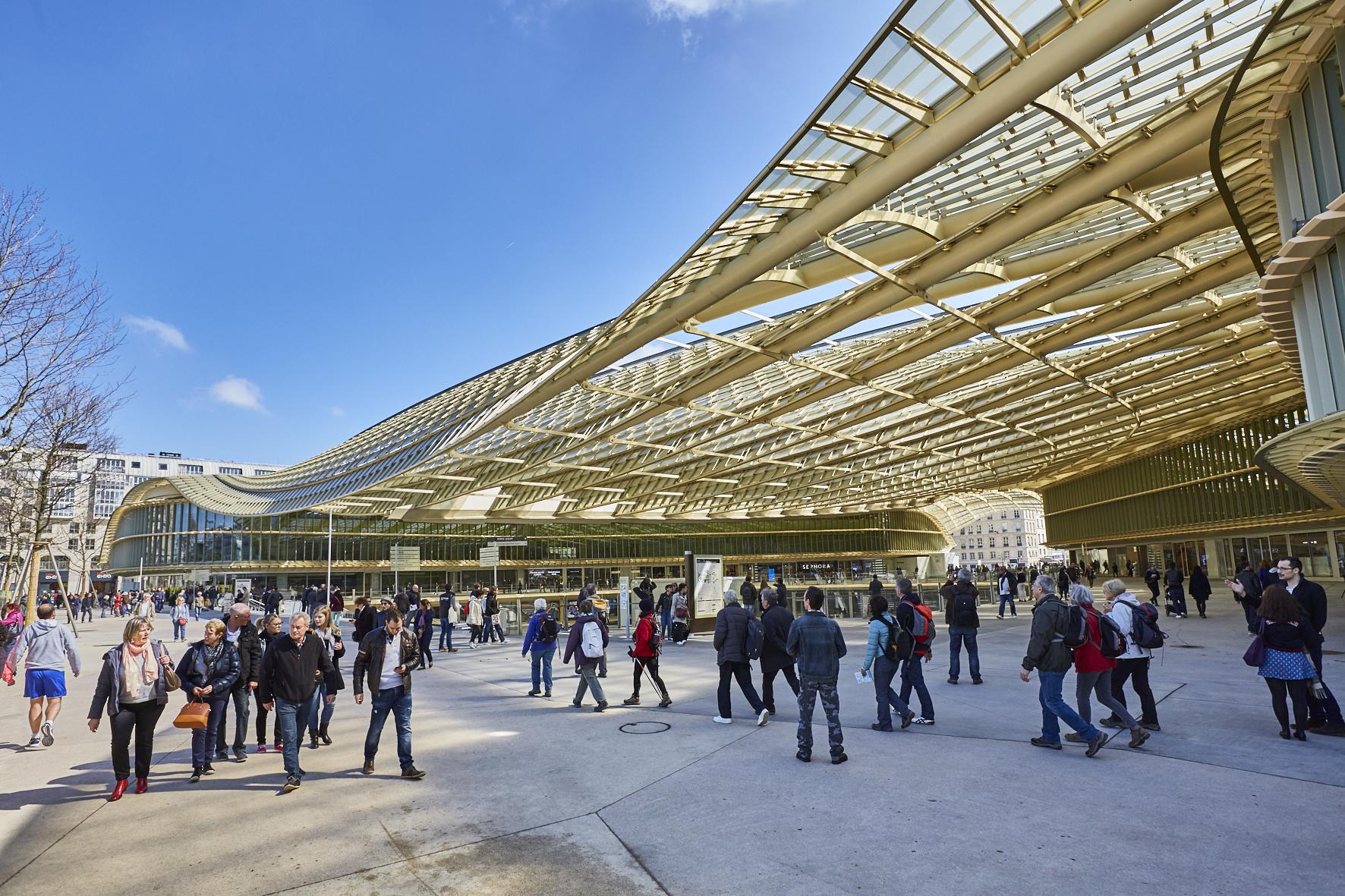 Halles de paris wikiwand - Les halles paris shopping ...