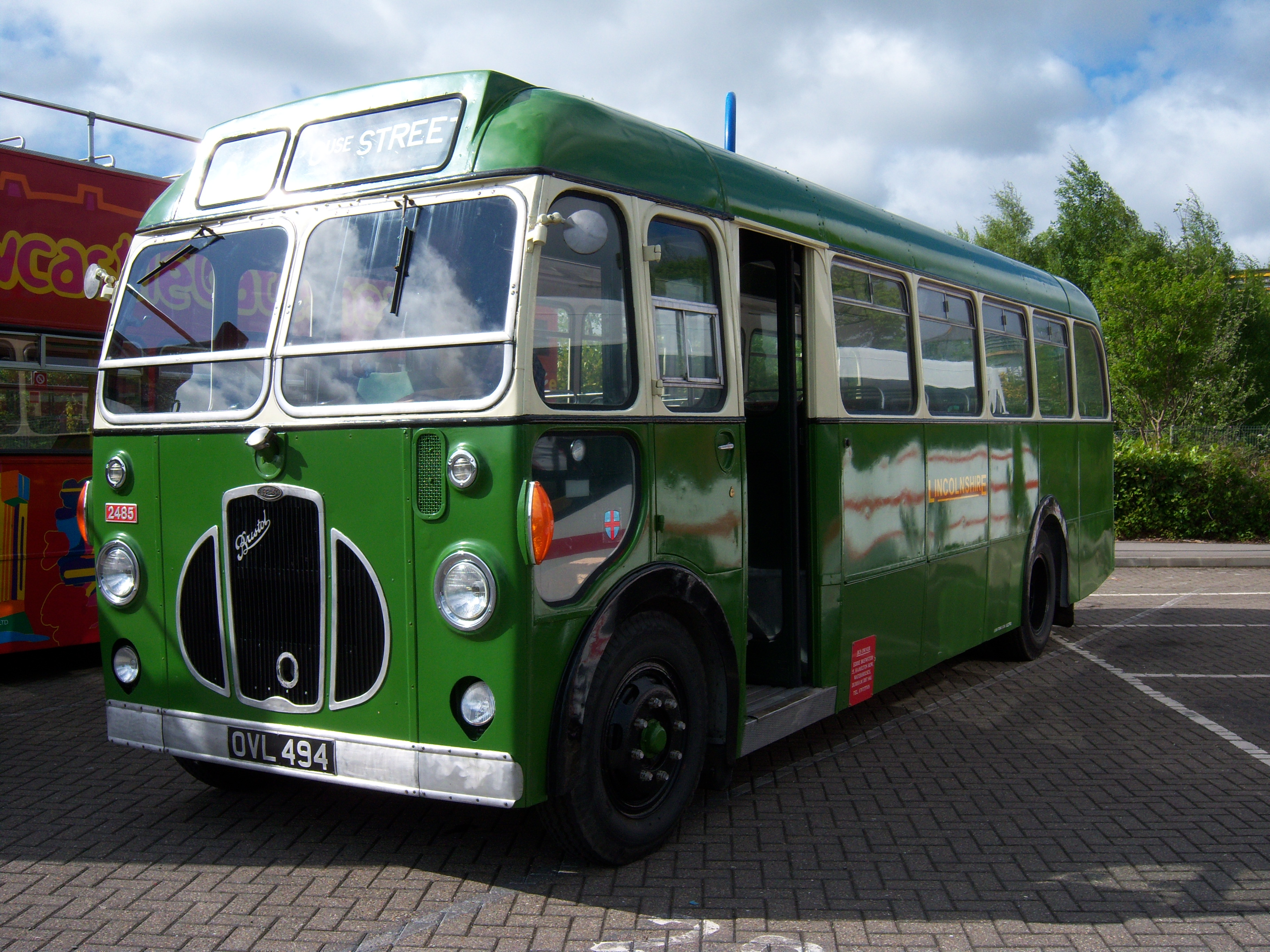 File:Lincolnshire bus 2485 Bristol SC4LK ECW OVL 494 Metrocentre rally 2009  (4)