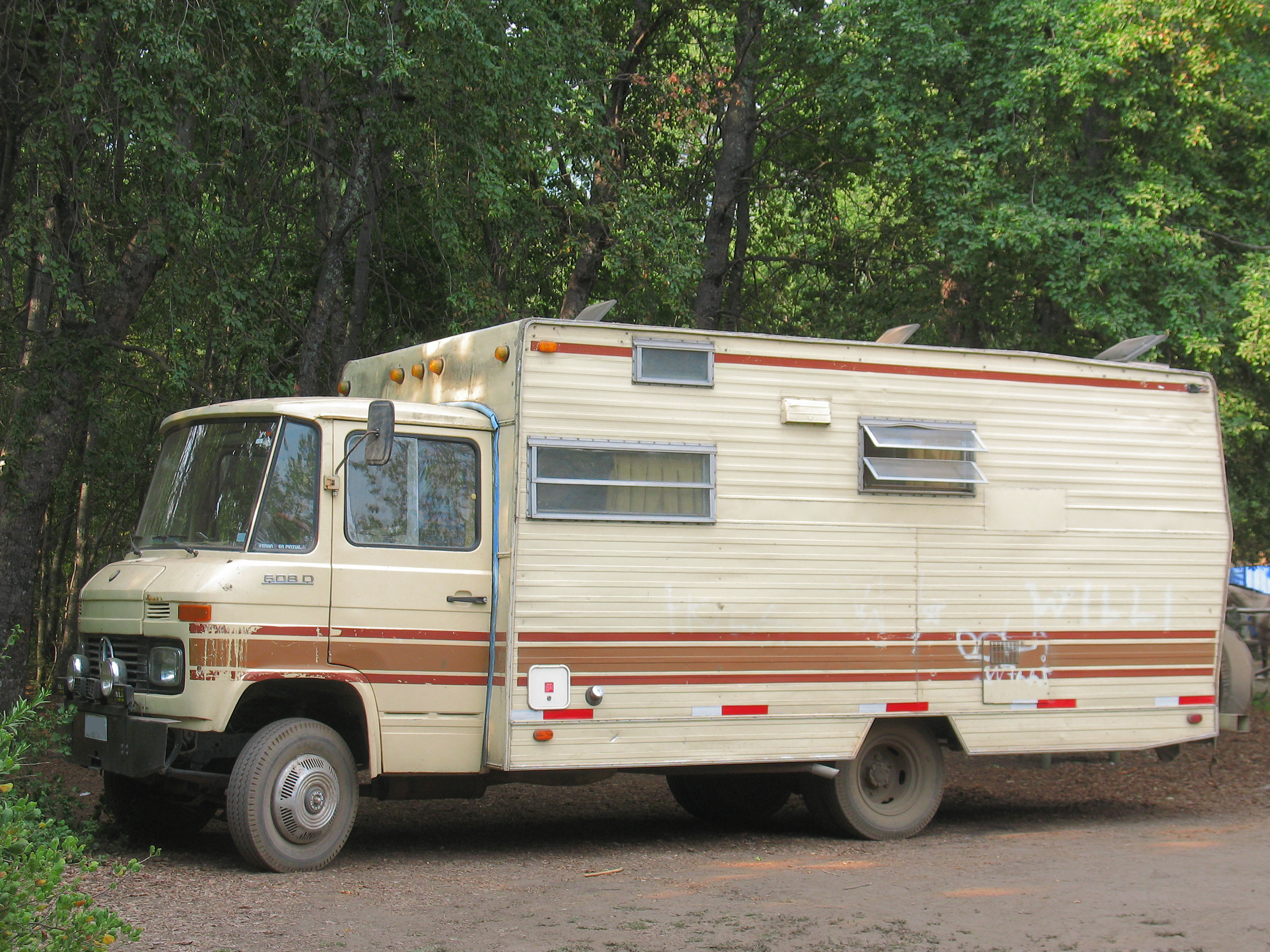 deluxe paradise motor oasis homes img