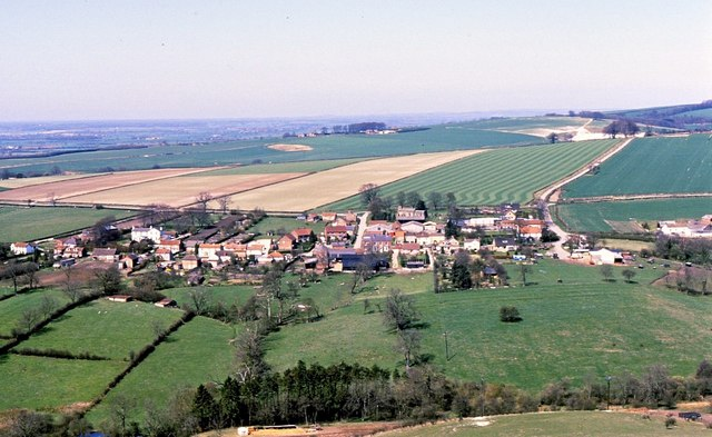 Millington from the Wolds Way 1.jpg