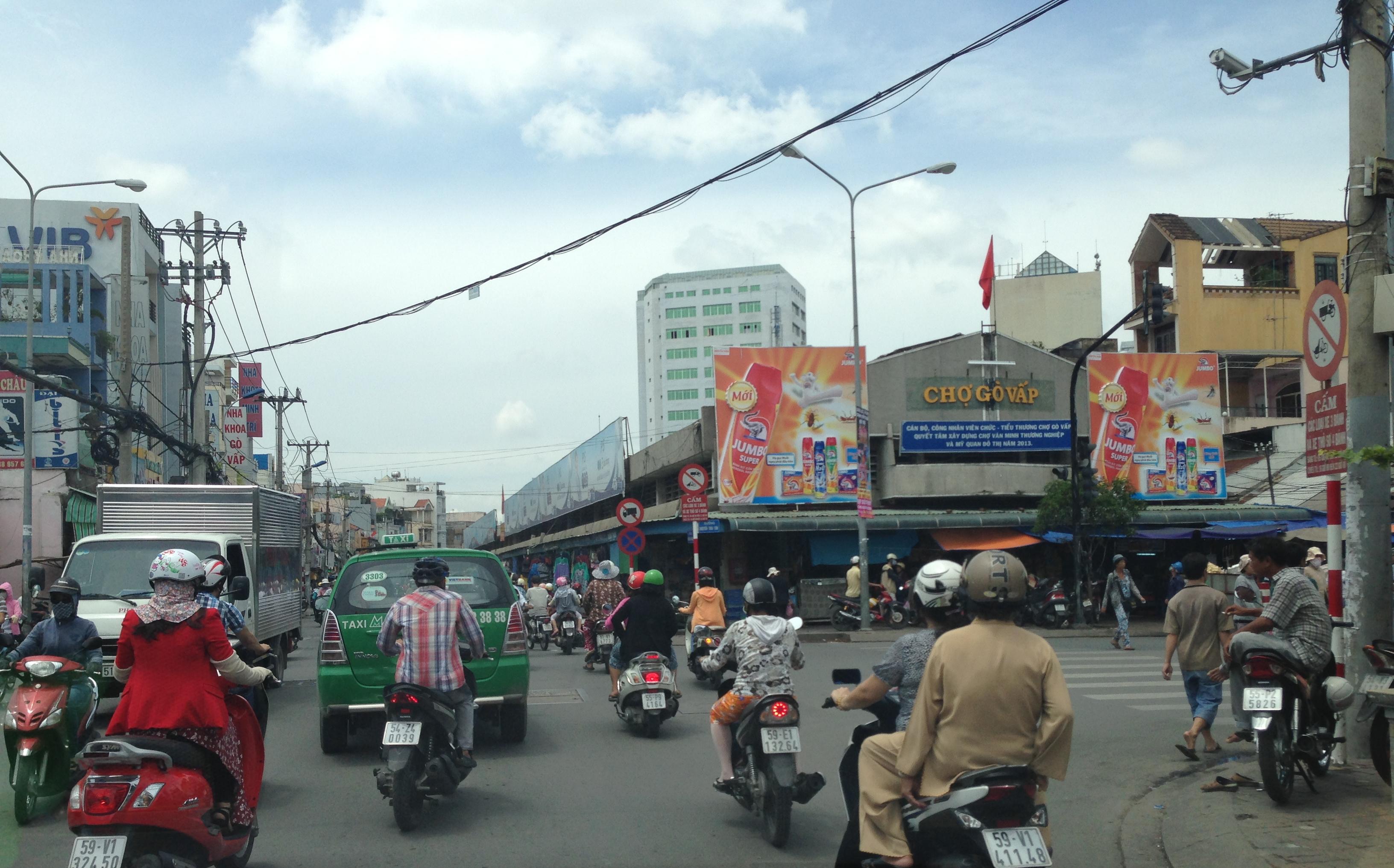 Ảnh Một góc chợ ở Quận Gò Vấp – Wikipedia tiếng Việt