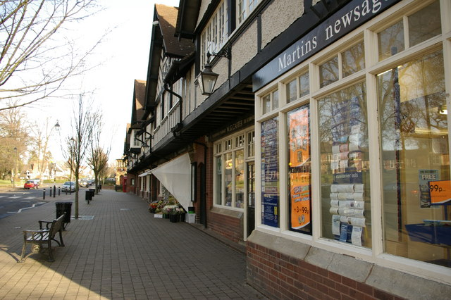 Parade of shops opposite Bournville village green - geograph.org.uk - 315215