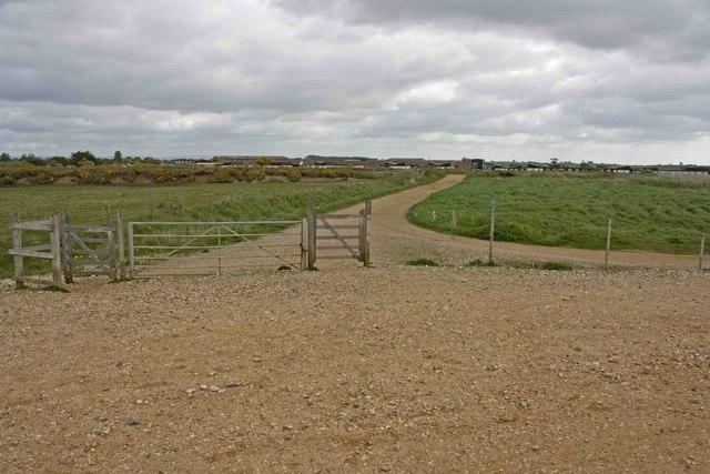 Path from Bracklesham Beach - geograph.org.uk - 1293052