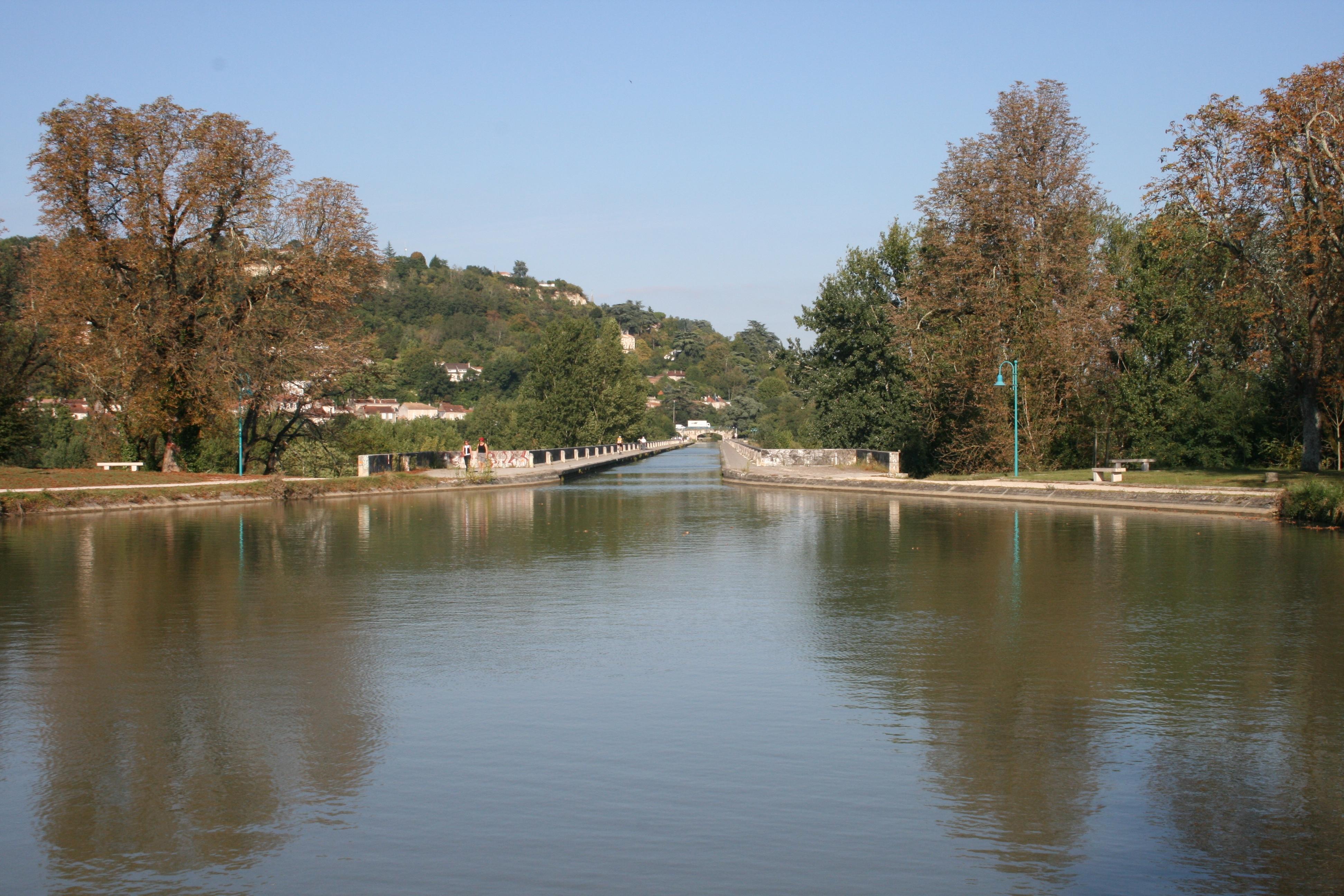 File:Pont Canal d'Agen 5.jpg