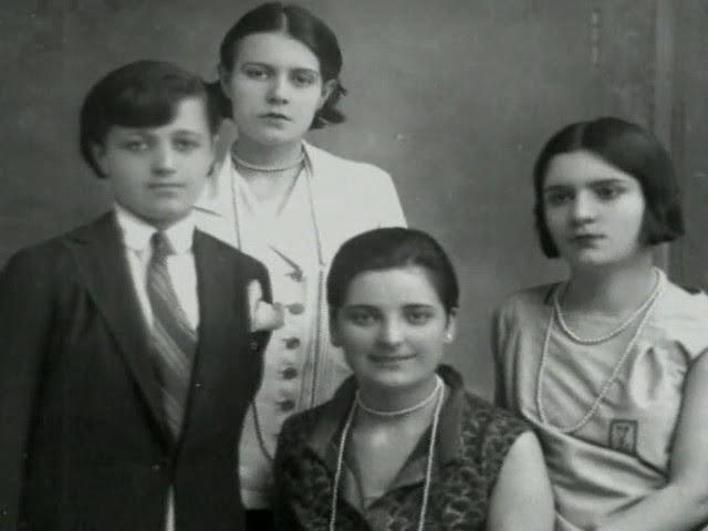 Дочери Ататюрка:Рукие, Сабиха, Афет и Зехра