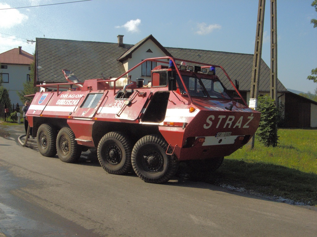 Lucha contra el fuego. SKOT_firefighting_vehicles