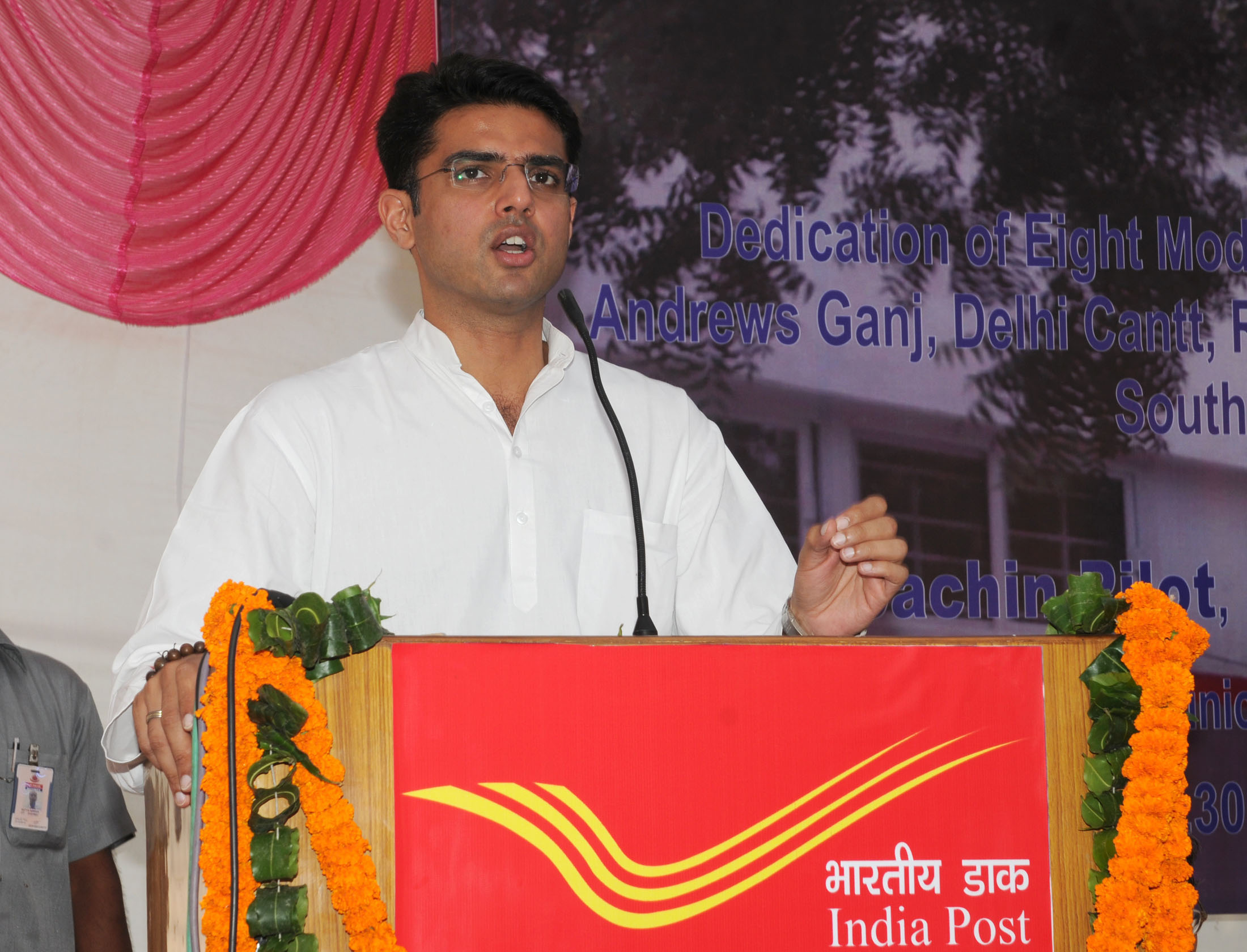 File:Sachin Pilot addressing at the dedication of the public eight