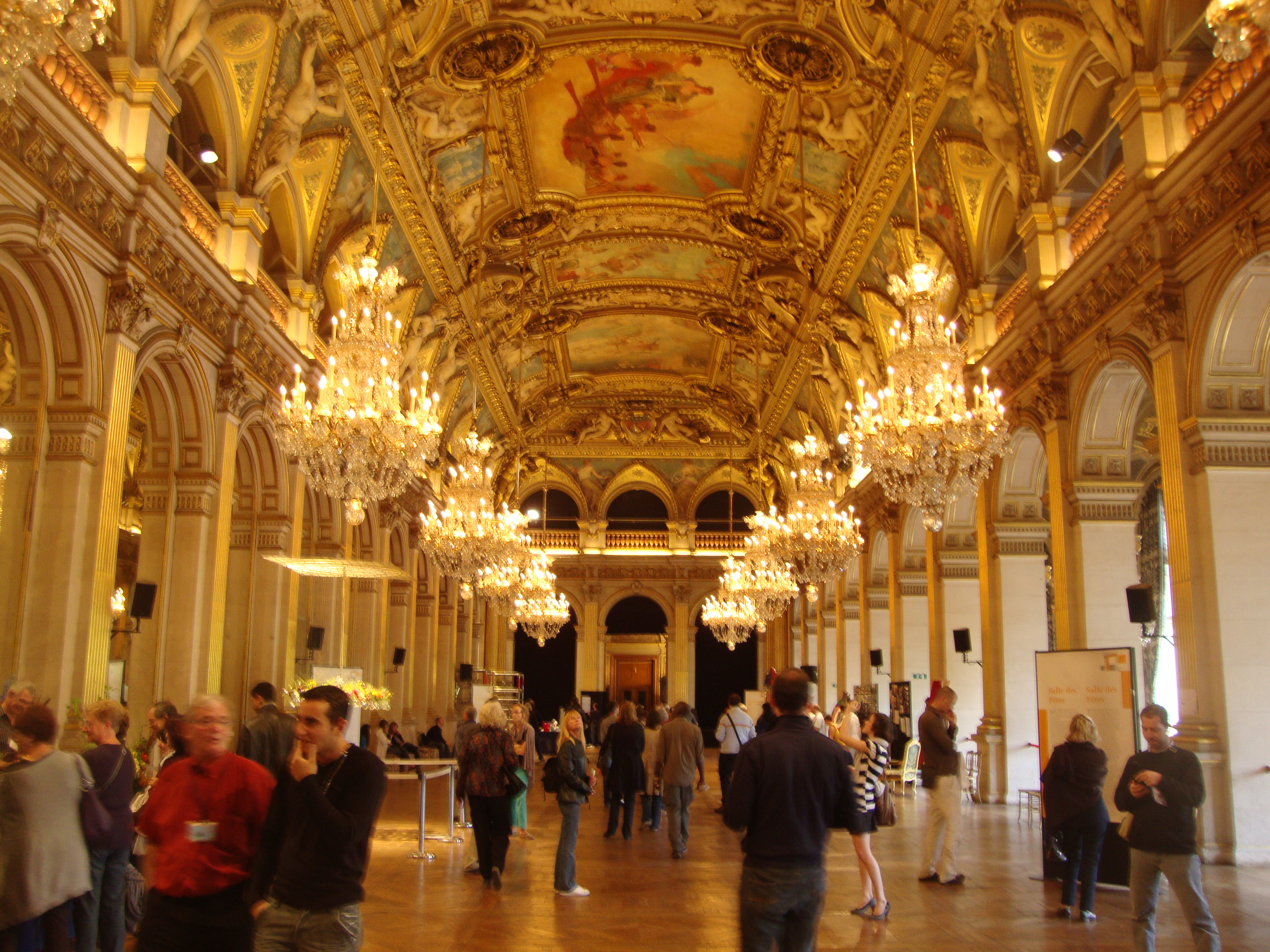file salle des fetes hdv jpg wikimedia commons