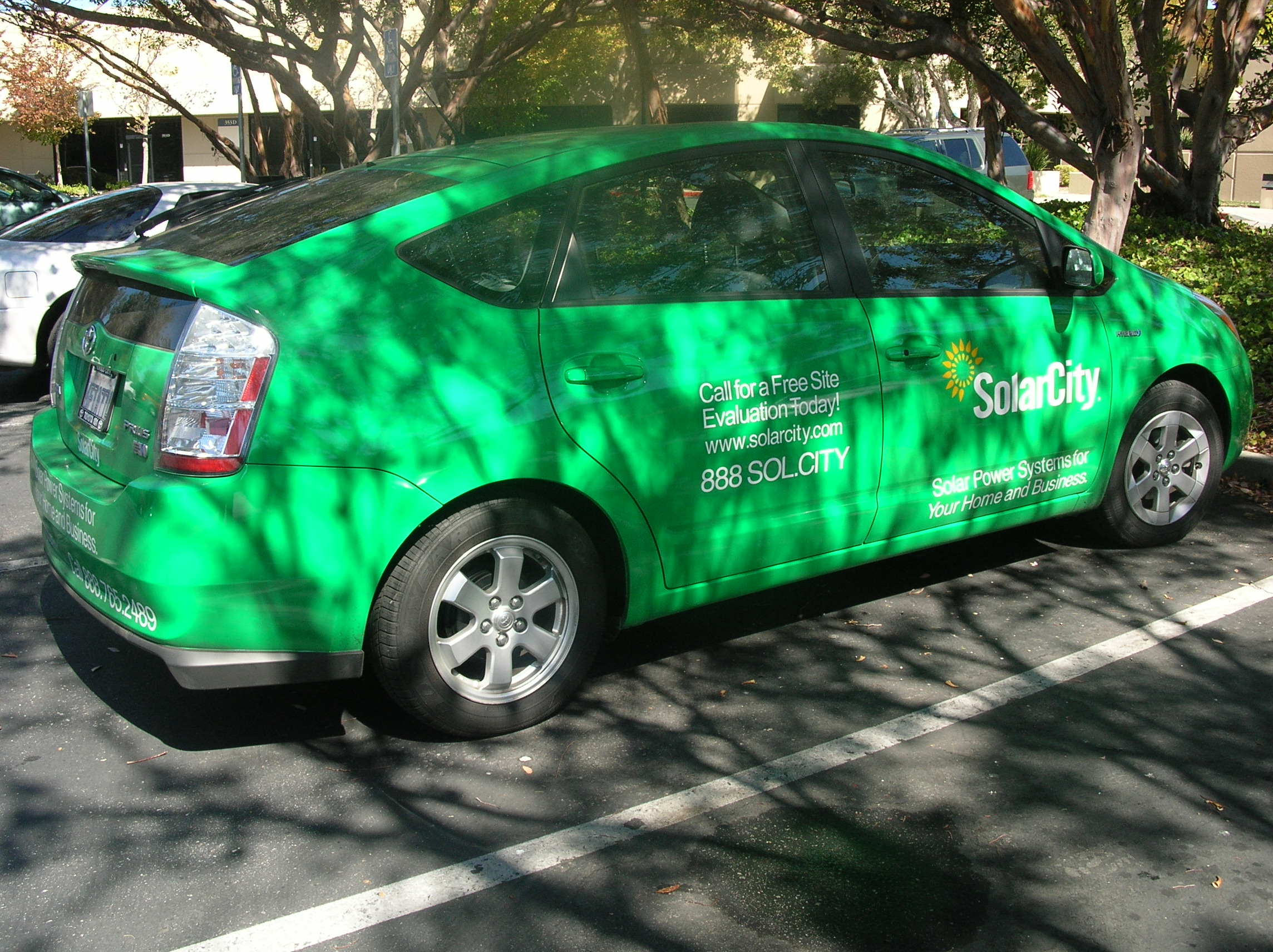 SolarCity Toyota Prius right side.JPG
