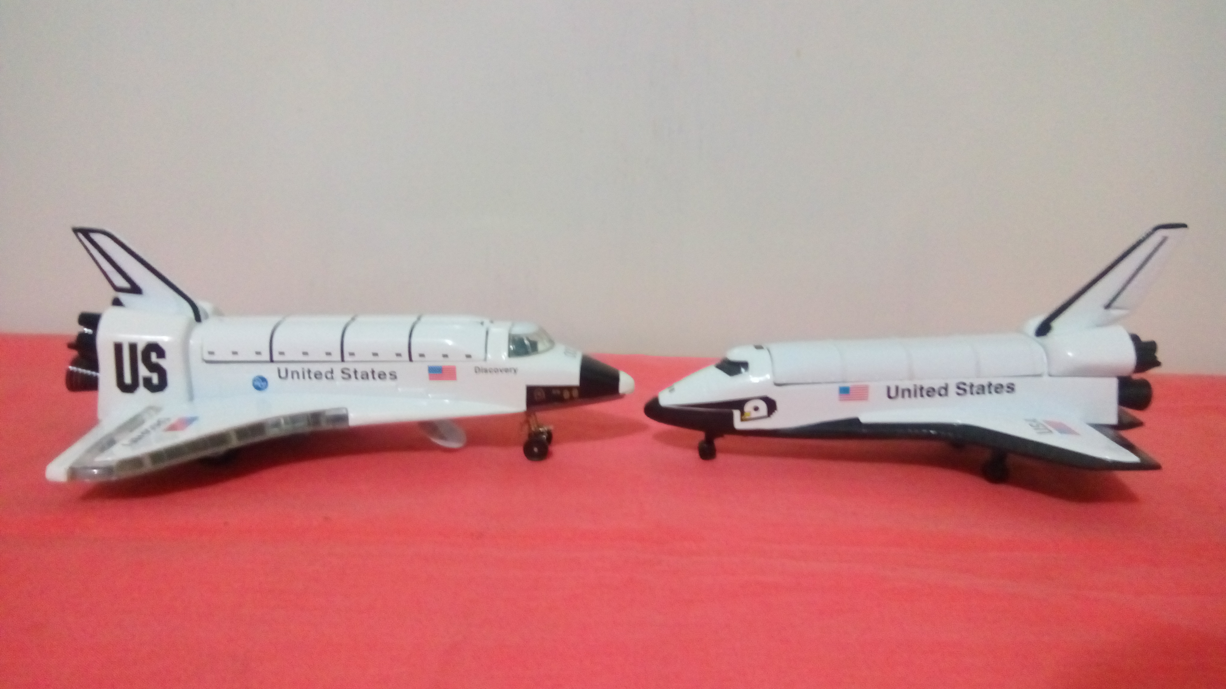 File:Space Shuttle Toy 1.jpg