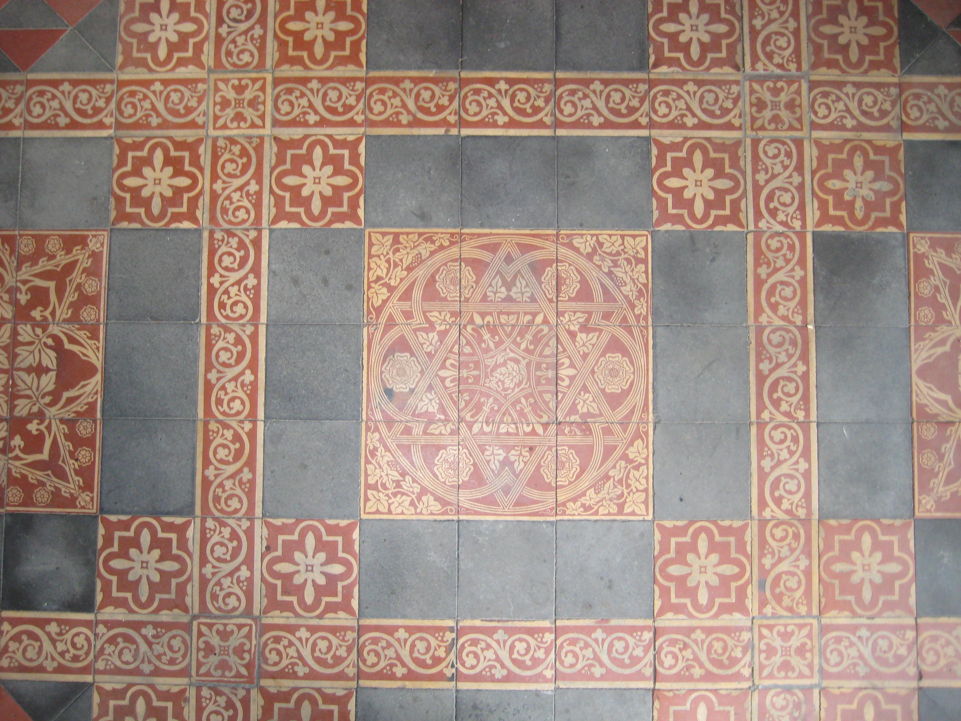 File St Laurence Tidmarsh Porch Tiles Jpg Wikimedia Commons
