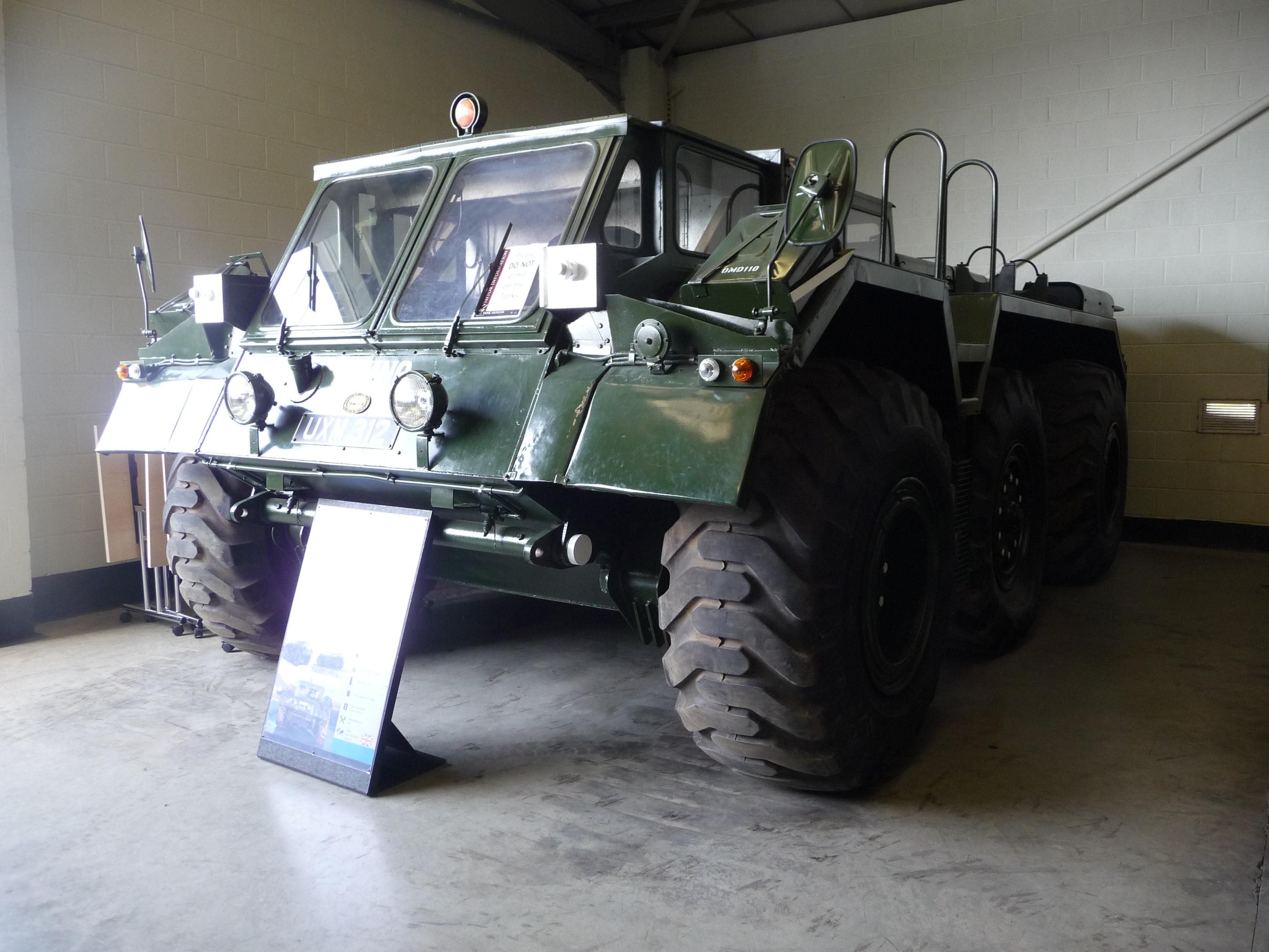TV1000_Rhino%2C_Bovington_Tank_Museum.jp