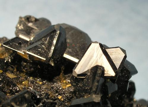 File:Tetrahedrite-Chalcopyrite-Sphalerite-251531.jpg ...