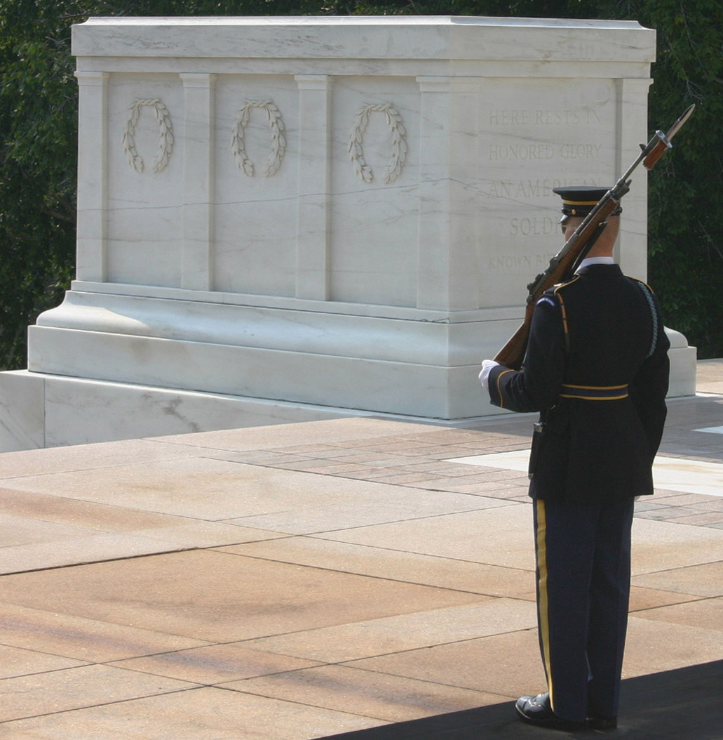 http://upload.wikimedia.org/wikipedia/commons/a/a6/Tomb_of_the_Unknown_Soldier_8.jpg