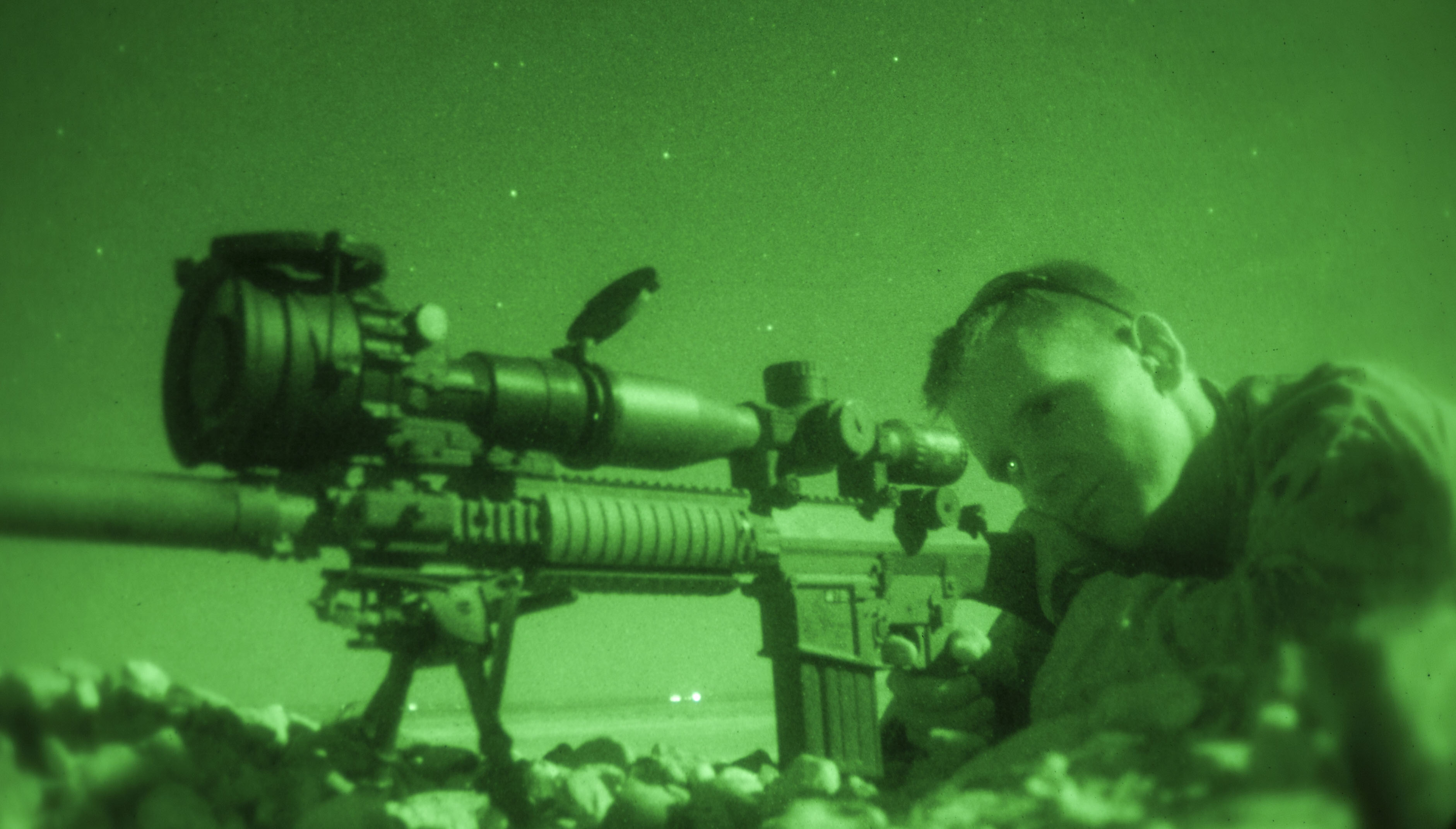 File:U.S._Marine_Corps_Sgt._Christopher_Stone,_a_combat_cameraman_assigned_to_the_26th_Marine_Expeditionary_Unit_(MEU),_fires_an_M110_semiautomatic_sniper_system_during_a_nighttime_live Fire_exercise_June_21,_2013_130621 M SO289 011 on Central Unit