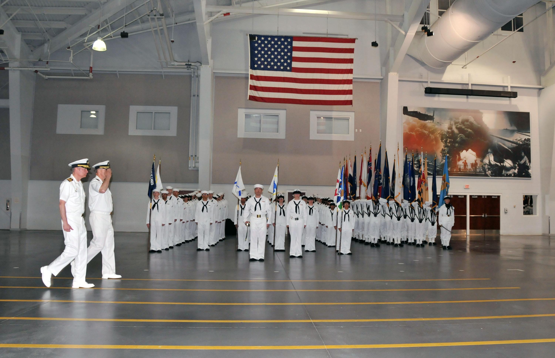 Fileus Navy 110526 N Ik959 899 Capt Steven Bethke Right