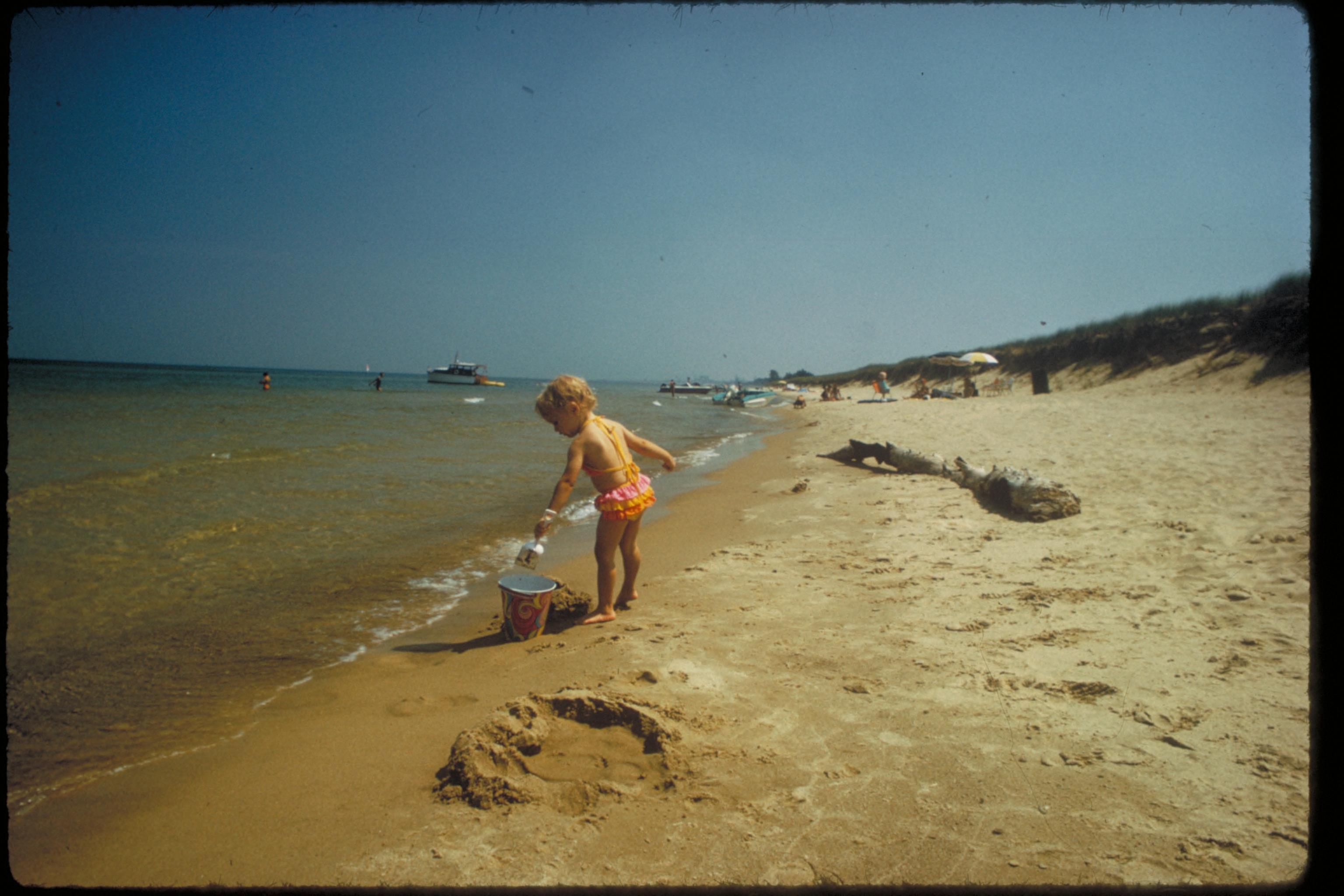 File:Views of Visitors and Nature at Indiana Dunes National