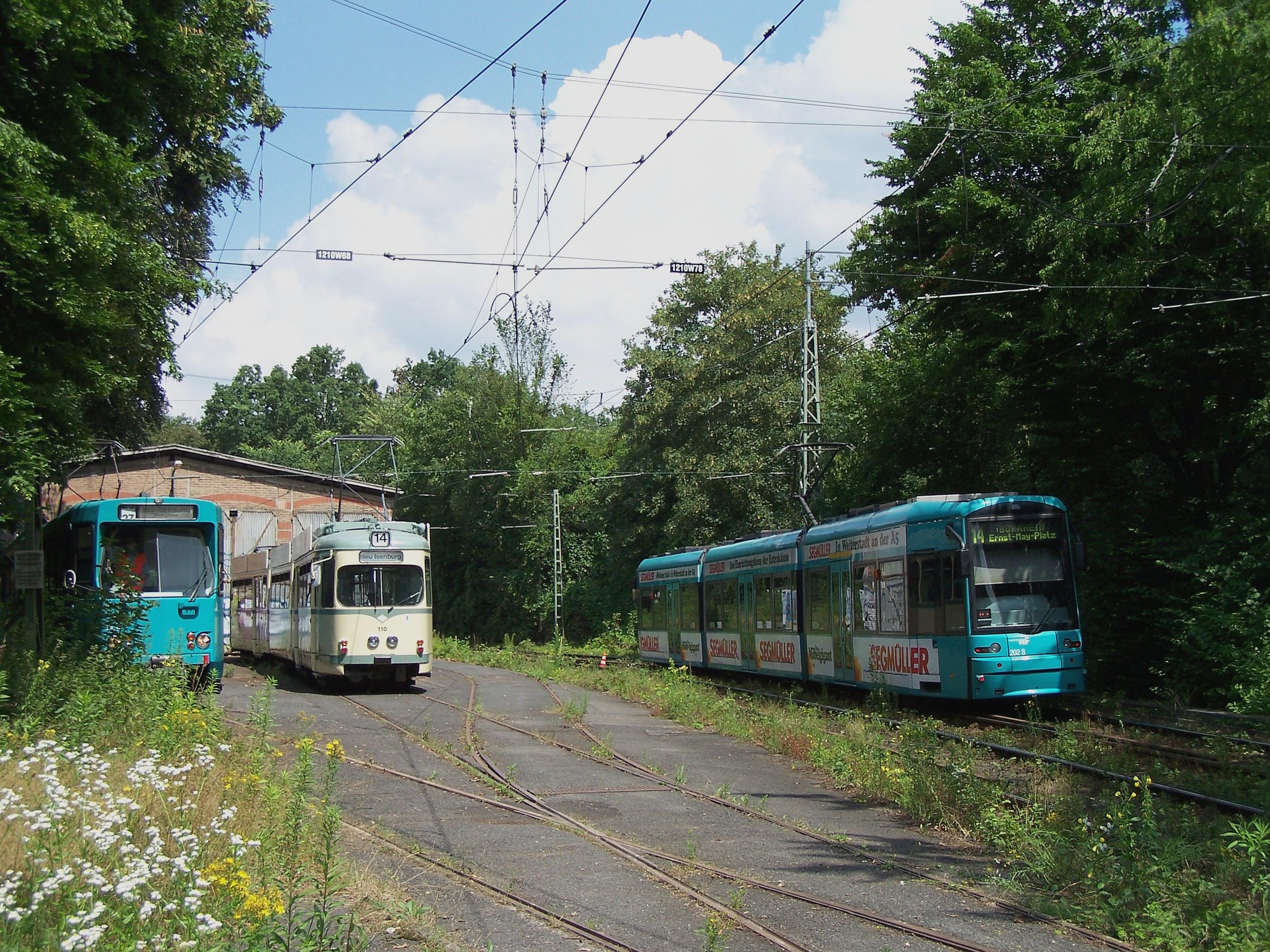 File wagenhalle waldbahn neu isenburg 04072009 2 jpg for Schwimmbad neu isenburg